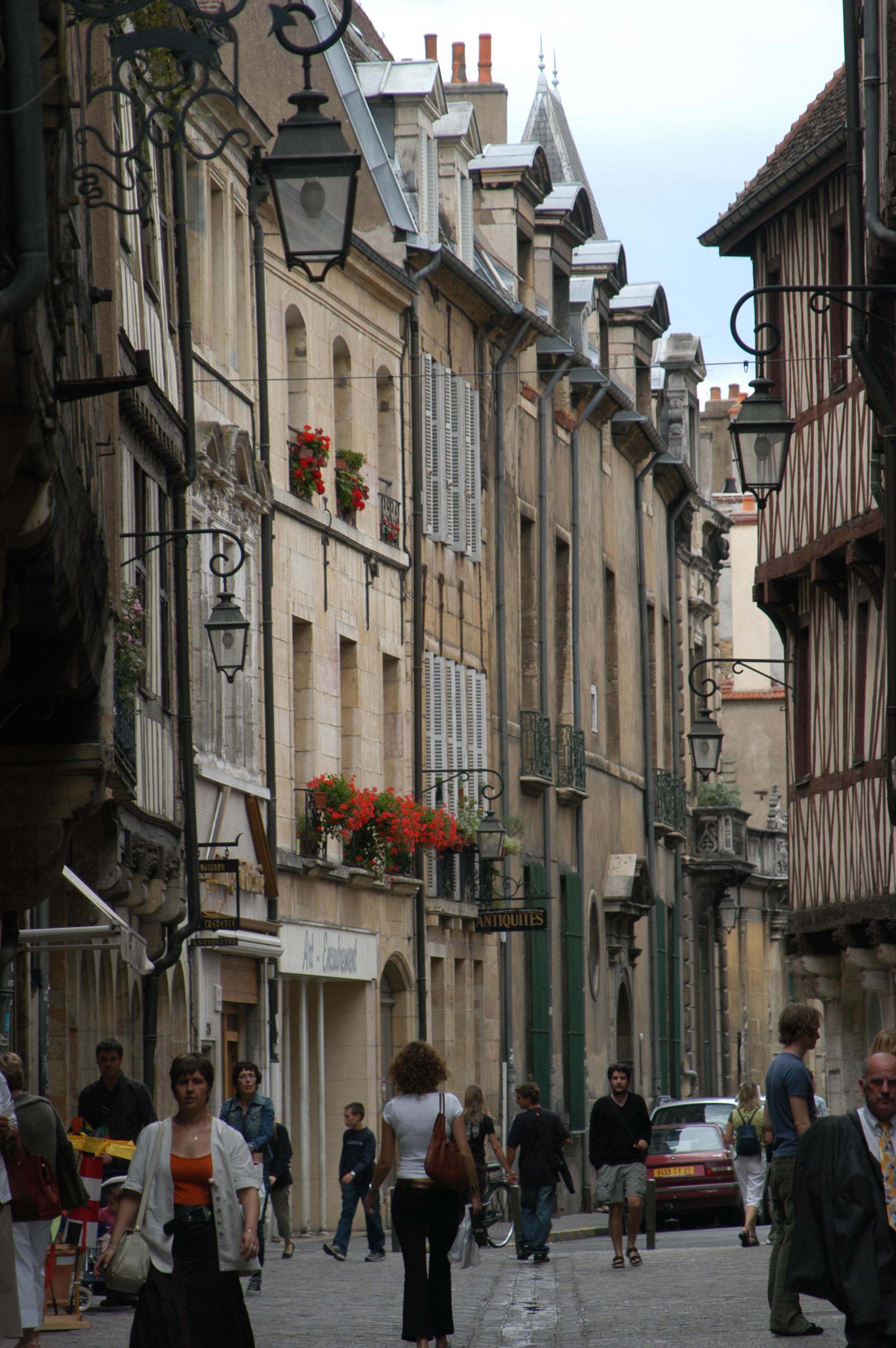 Une rue des vieux quartiers