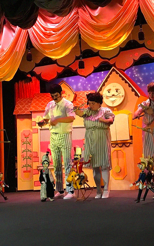 Puppet Show with Bob Baker Marionette   The celebrated theater has been an institution since 1963, and for the first time ever it has a home at the Pier! This iconic puppet show will feature classic songs of the season and Bob Baker favorites.  6:00 AND 7:00 PM (TWO SHOWS A NIGHT) IN THE MERRY-GO-ROUND  FREE