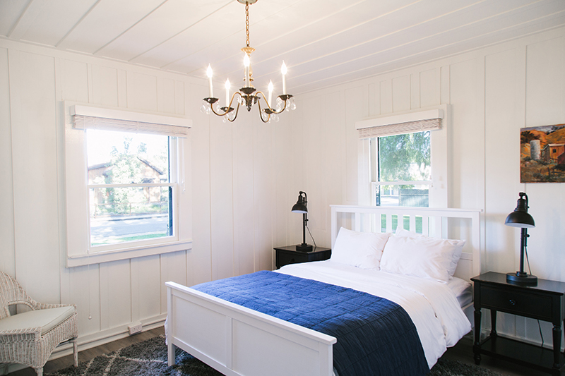 $1550 / 2 nights Canary palmQueen bedroom + sleeper sofa - 2 adults + childrenOne Queen bedroom with private bath plus sleeper sofa (in separate living area) in this classic three-bedroom, three-bathroom house with two living spaces. Shared lux living spaces and full kitchen.Complimentary crib or children's floor mats provided upon request.