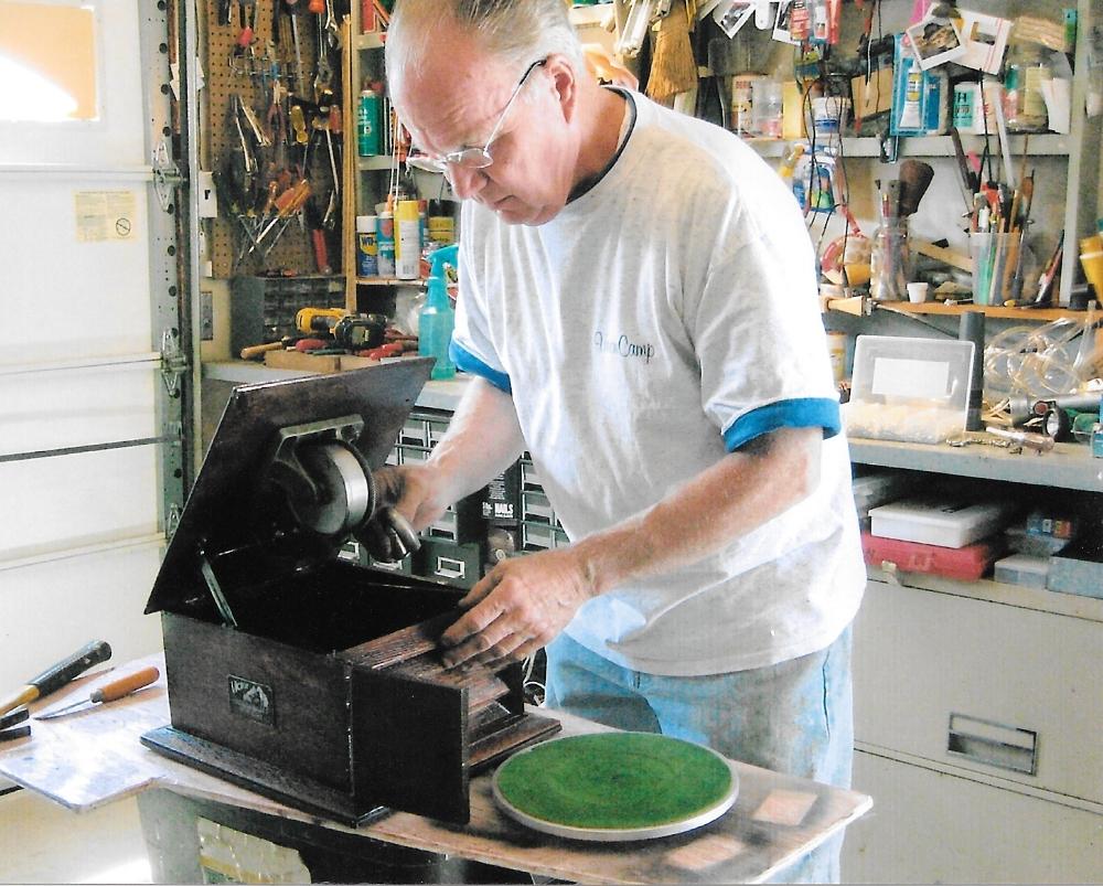 Bill Working-Phonograph1.jpeg