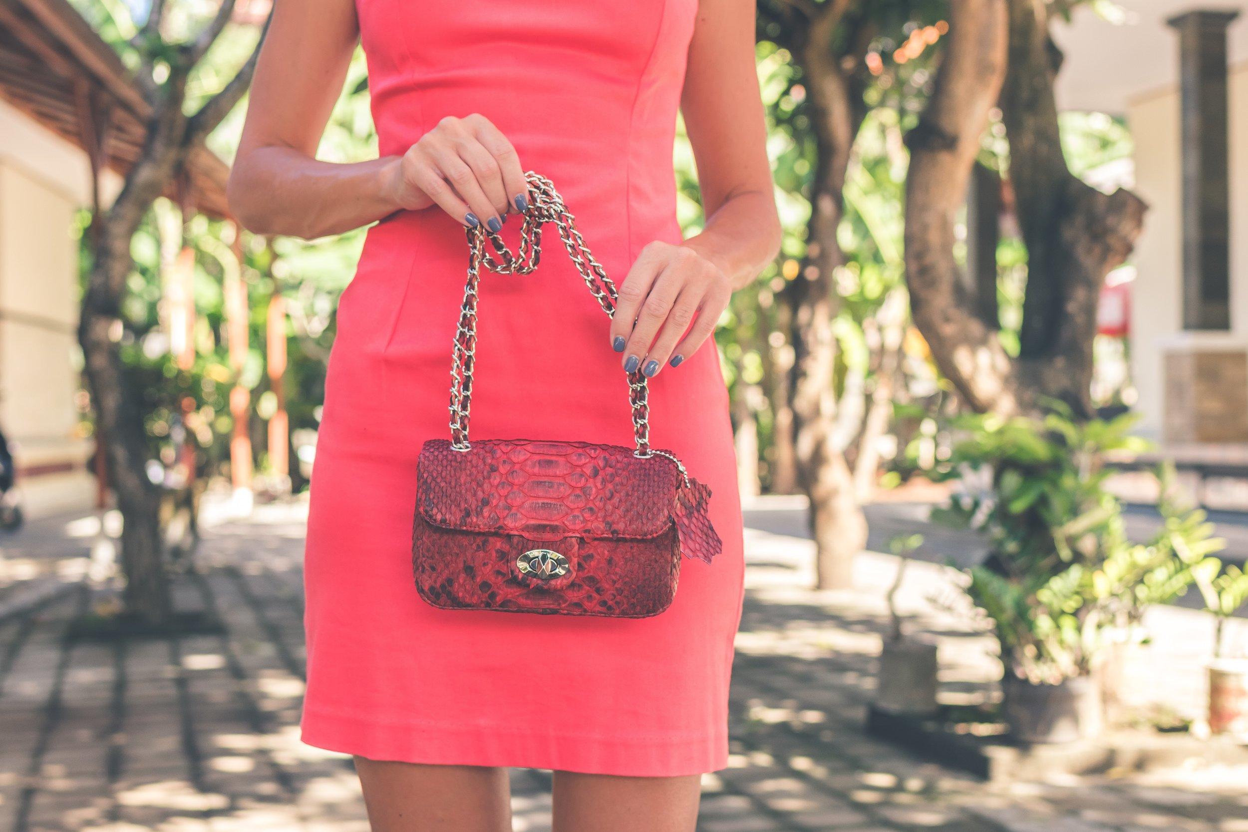adult-bag-blur-1022383.jpg