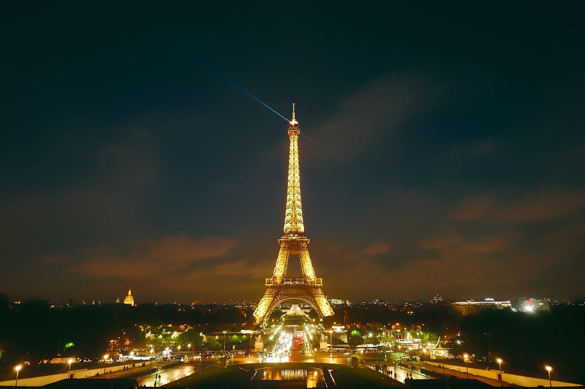 paris-1789706_1920.jpg
