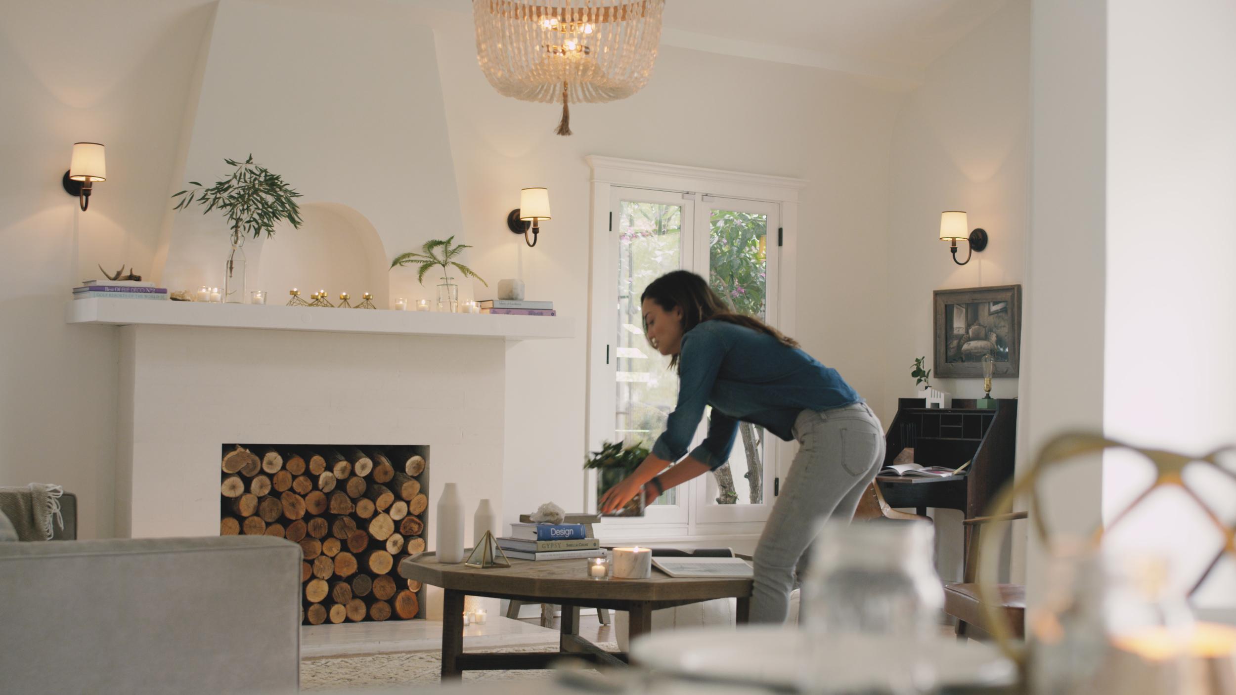 Alexandra Rodriguez-actor-los angeles-prizm-living room-paige geffen-interior design-homepolish-woodwalk