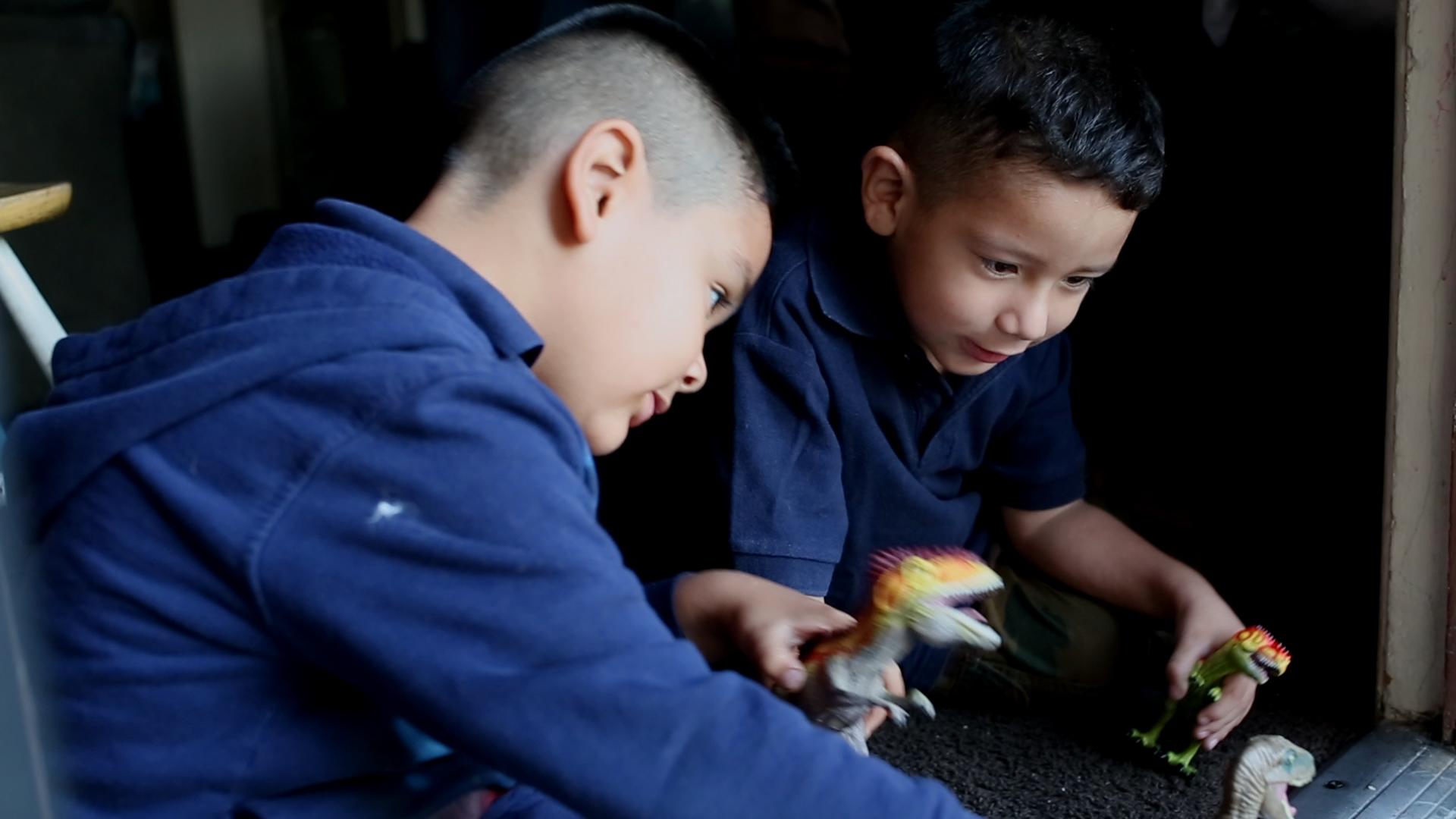 woodwalk-communigift-los angeles-birthday-toys-dinosaur-boys