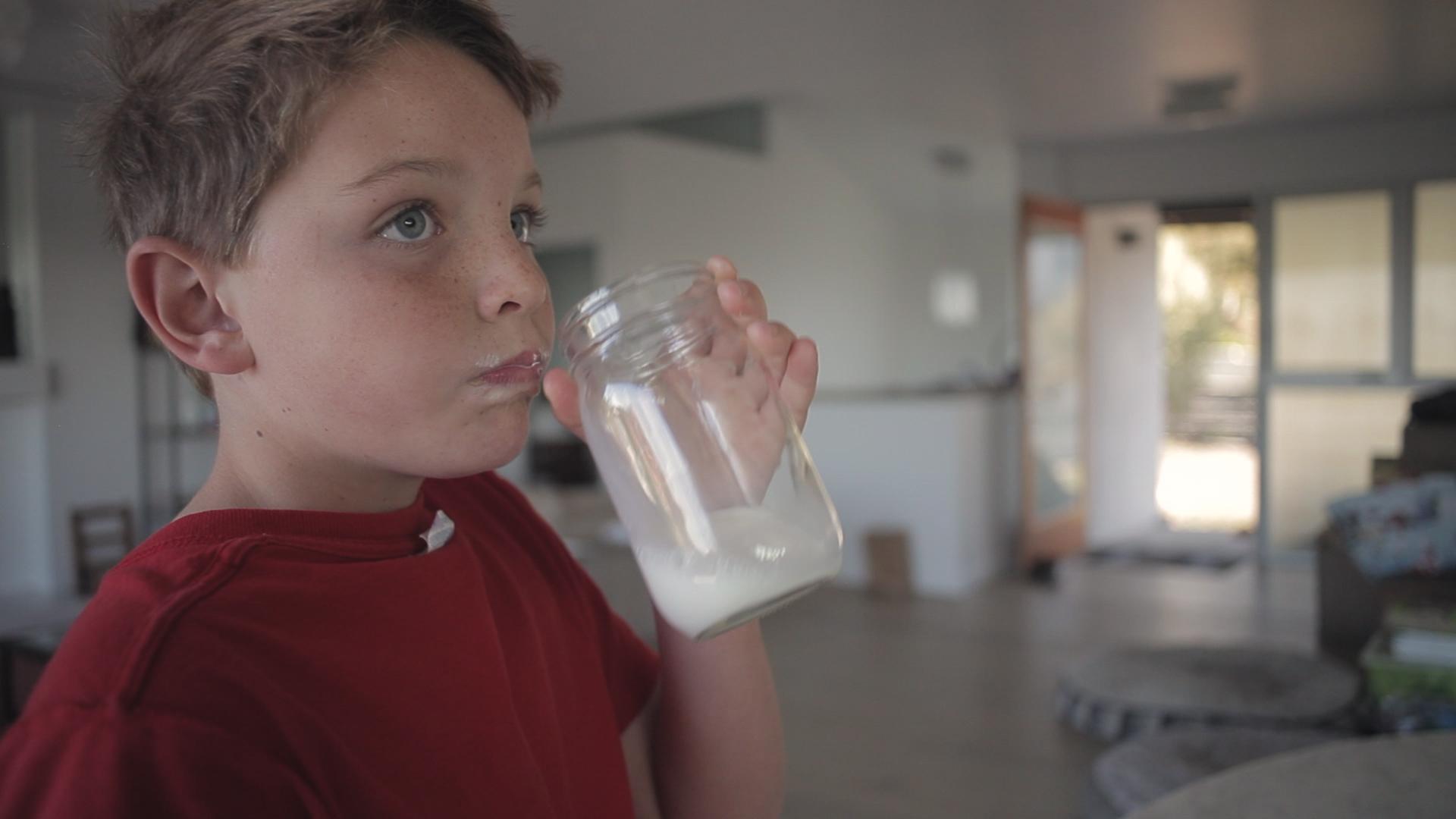 communigift-los angeles-birthday-party-boy-milk-woodwalk-commercial