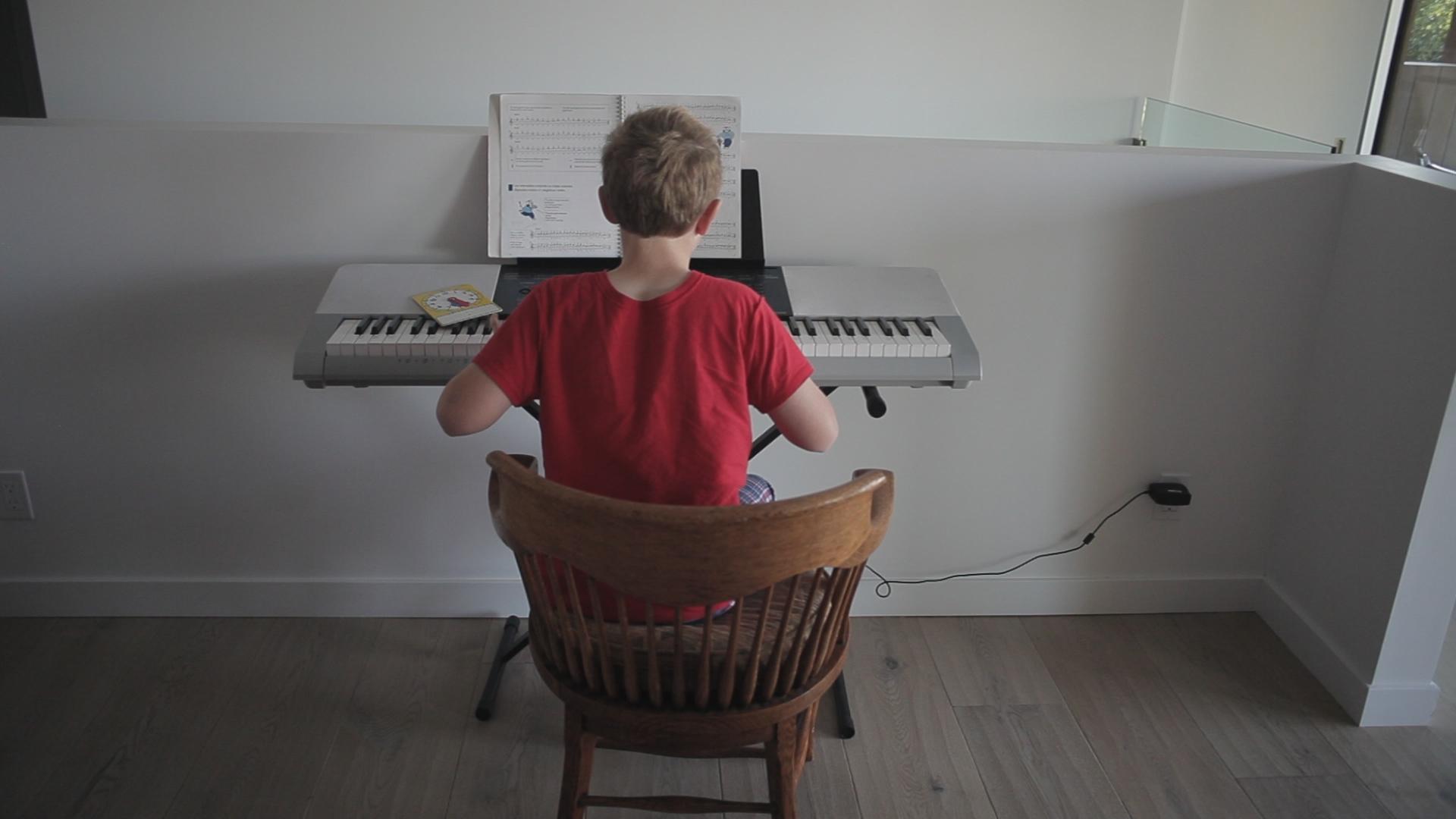 communigift-los angeles-piano-practice-woodwalk-commercial