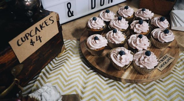 @cakes_i_gon_and_dun was another fabulous person who had a great stall at BLISSMAS! Did anyone try the sticky date cupcakes? They were the 💣🌹