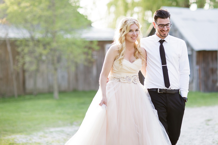 barn-wedding-rustic-wedding-lazaro-gown-tremblay-farms-ontario-farm-wedding_0001
