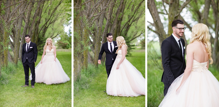 barn-wedding-rustic-wedding-lazaro-gown-tremblay-farms-ontario-farm-wedding_0018