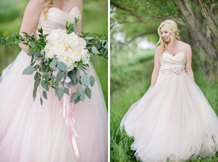 barn-wedding-rustic-wedding-lazaro-gown-tremblay-farms-ontario-farm-wedding_0021