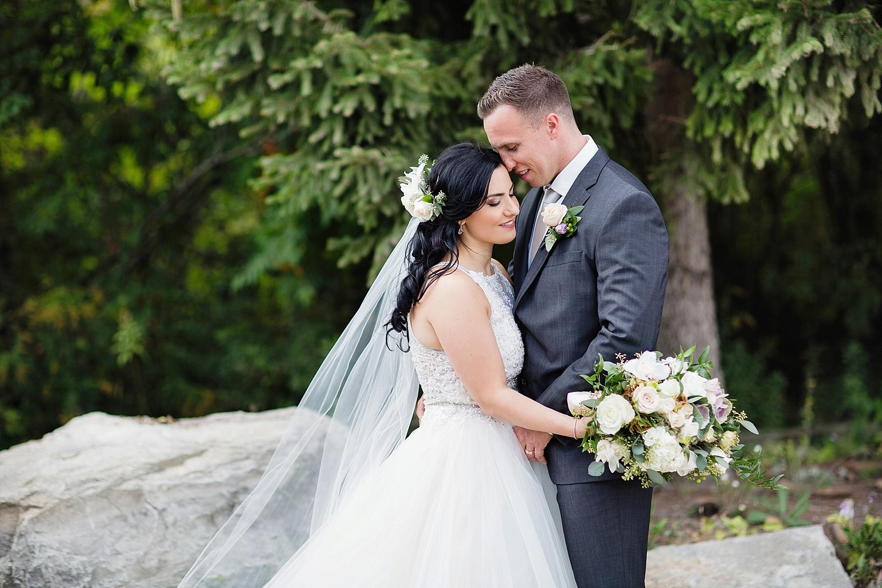 windsor-wedding-photographer-sprucewood-shores-winery-wedding-niagara-on-the-lake-wedding-photographer-eryn-shea-photography_0001.jpg