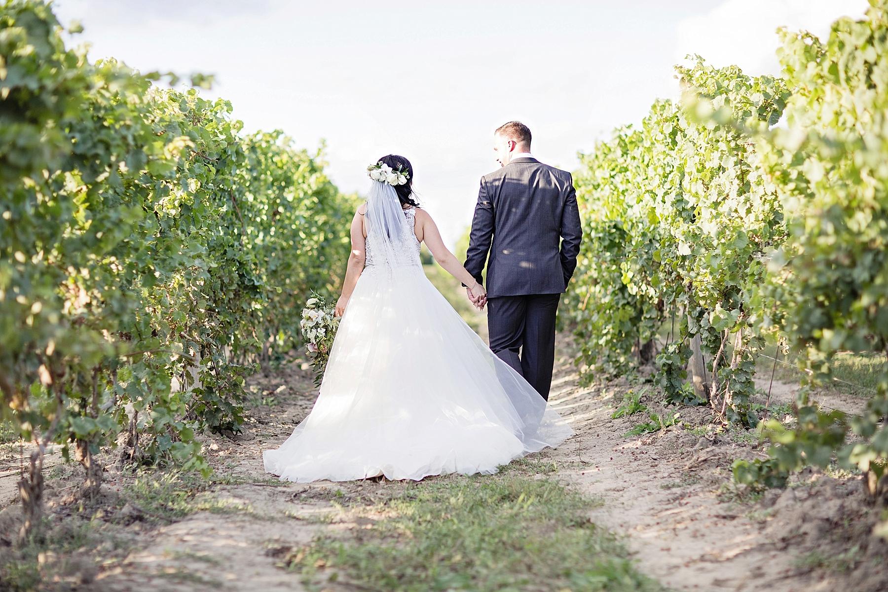 windsor-wedding-photographer-sprucewood-shores-winery-wedding-niagara-on-the-lake-wedding-photographer-eryn-shea-photography_0046.jpg