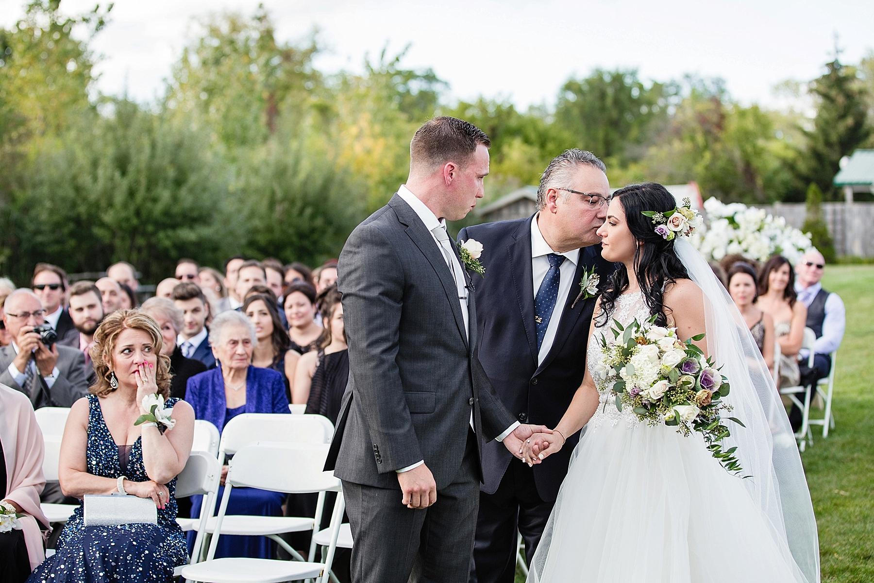 windsor-wedding-photographer-sprucewood-shores-winery-wedding-niagara-on-the-lake-wedding-photographer-eryn-shea-photography_0050.jpg