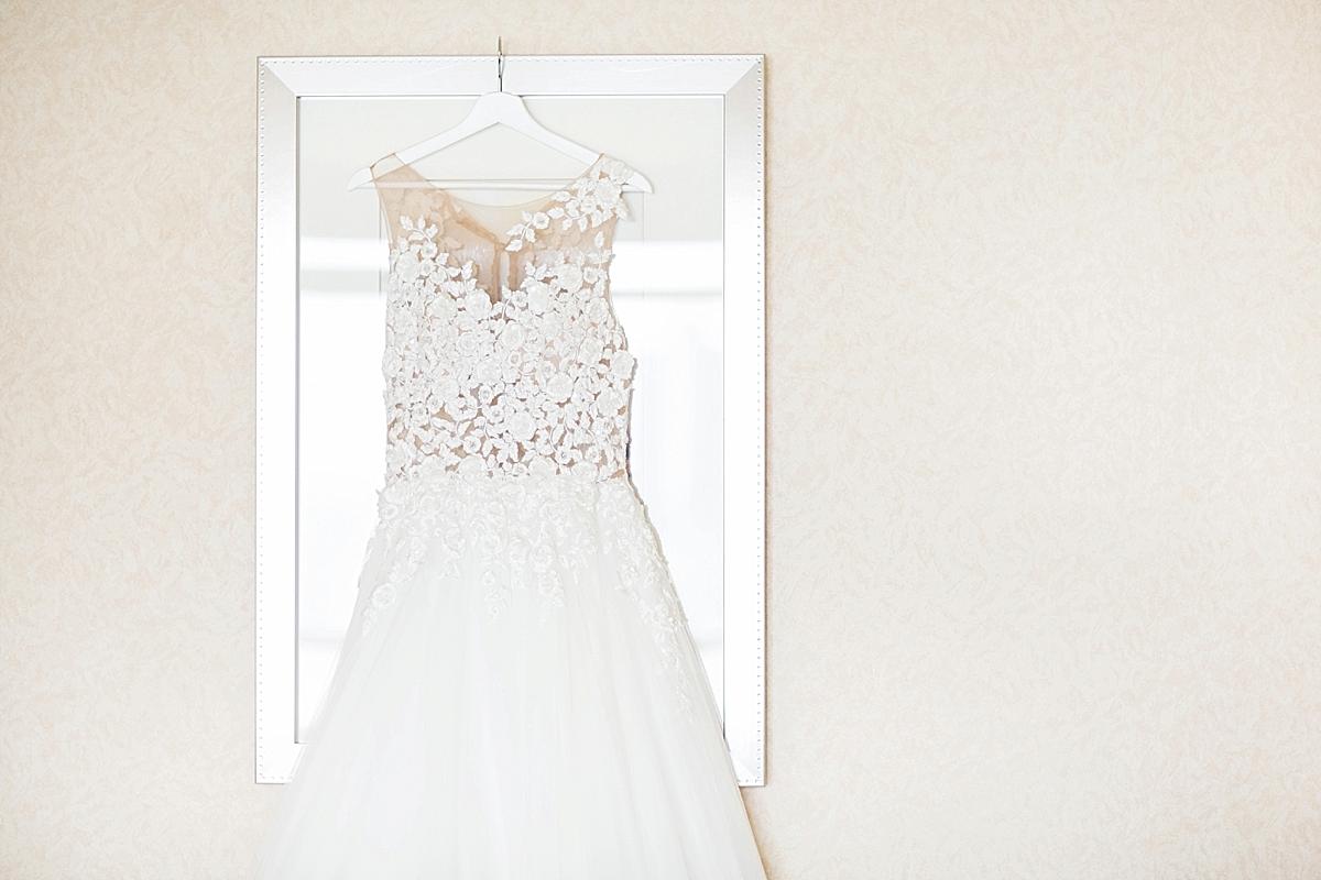 windsor-wedding-photographer-waters-edge-bourbon-rose-floral-design-eryn-shea-photography-pronovias-gown_0007.jpg