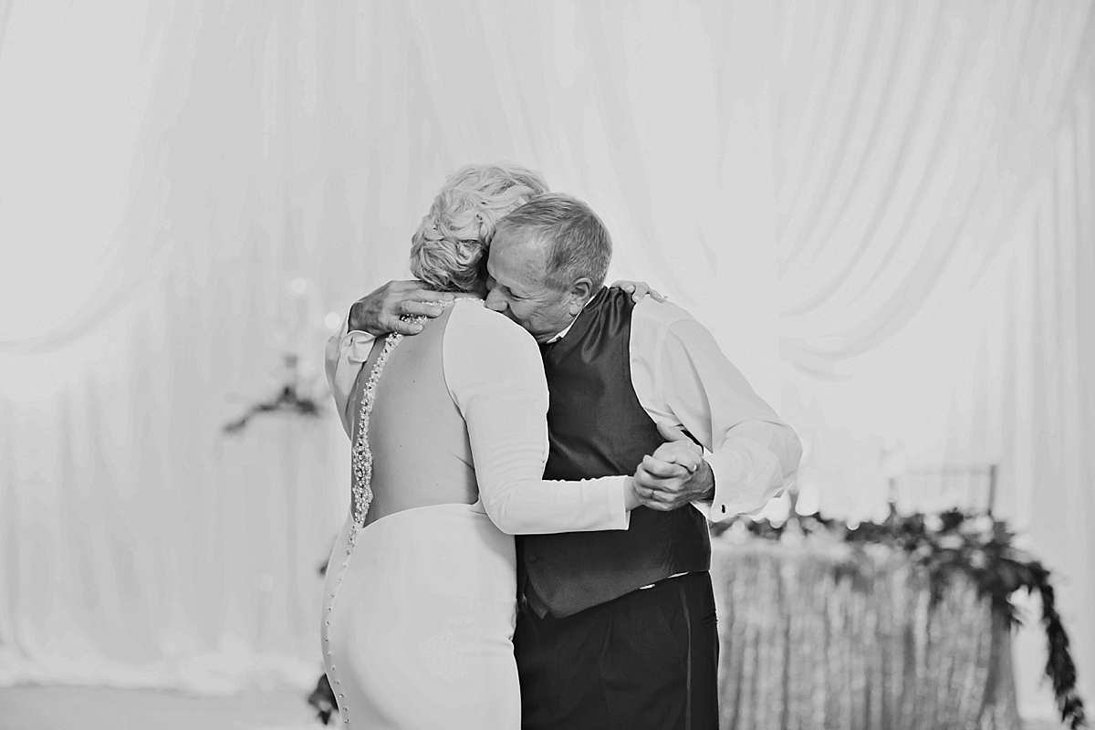 windsor-wedding-photographer-ambassador-golf-club-wedding-eryn-shea-photography_0087.jpg
