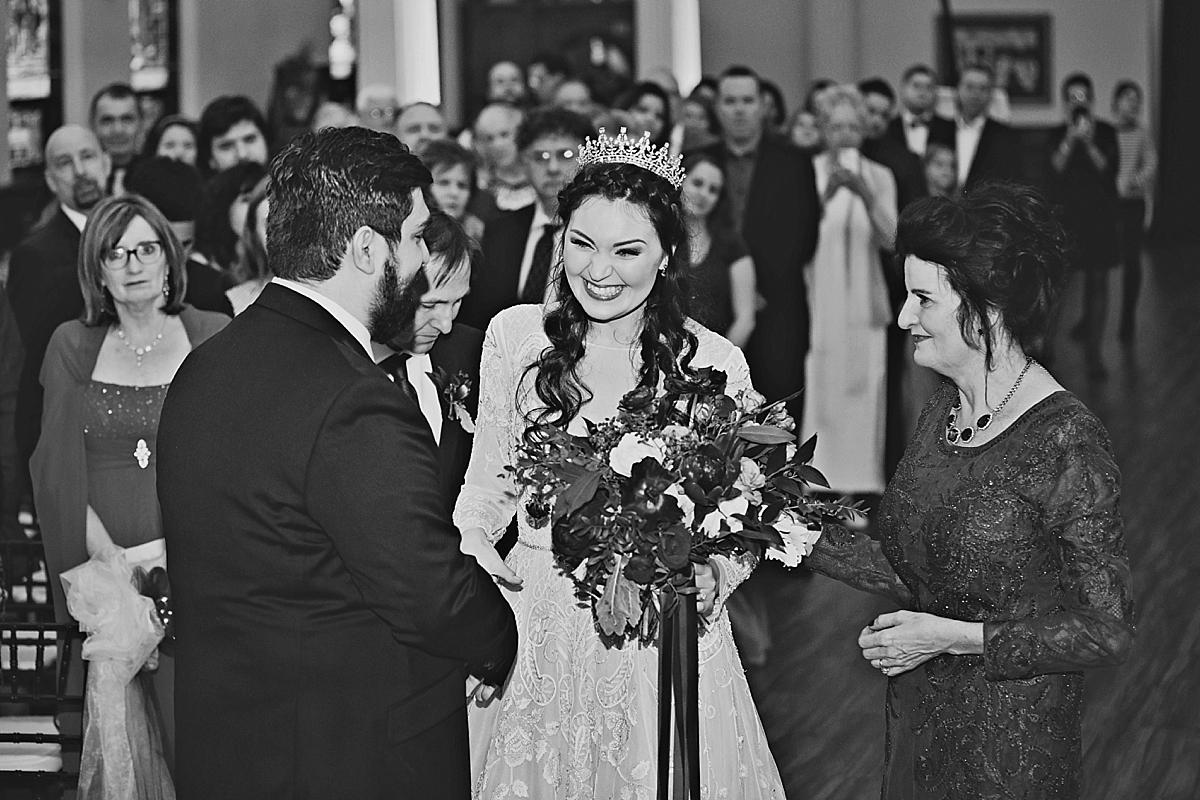 windsor-ontario-wedding-photographer-art-gallery-wedding-weddingbells-magazine-real-wedding-eryn-shea-photography_0057.jpg