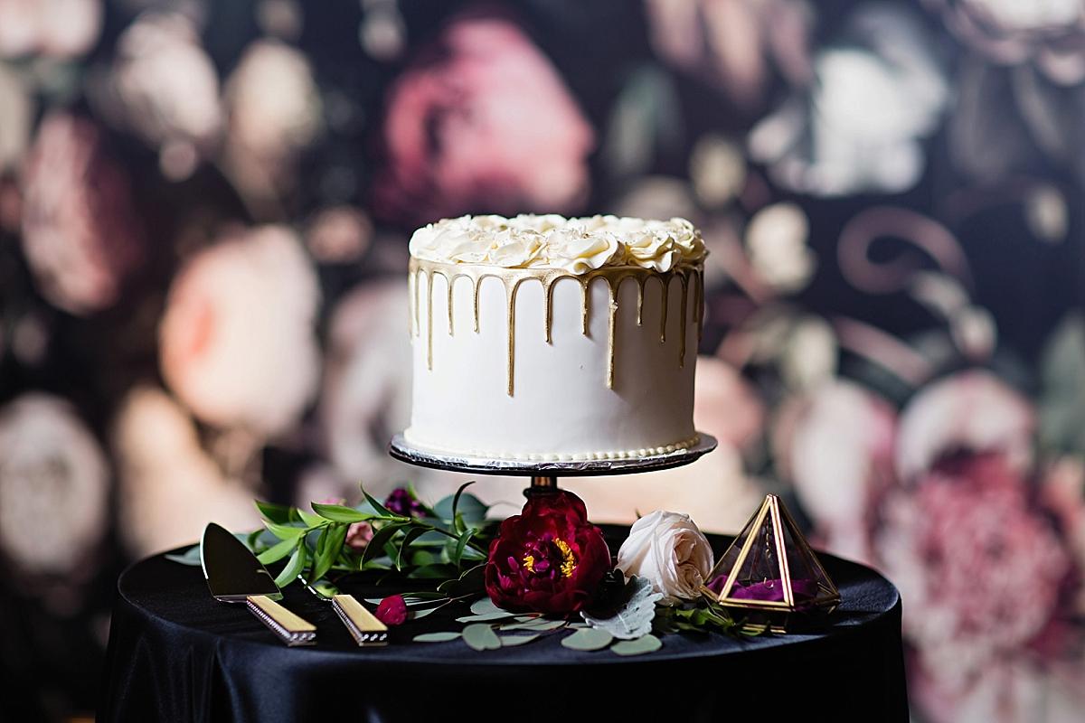 windsor-ontario-wedding-photographer-art-gallery-wedding-weddingbells-magazine-real-wedding-eryn-shea-photography_0091.jpg