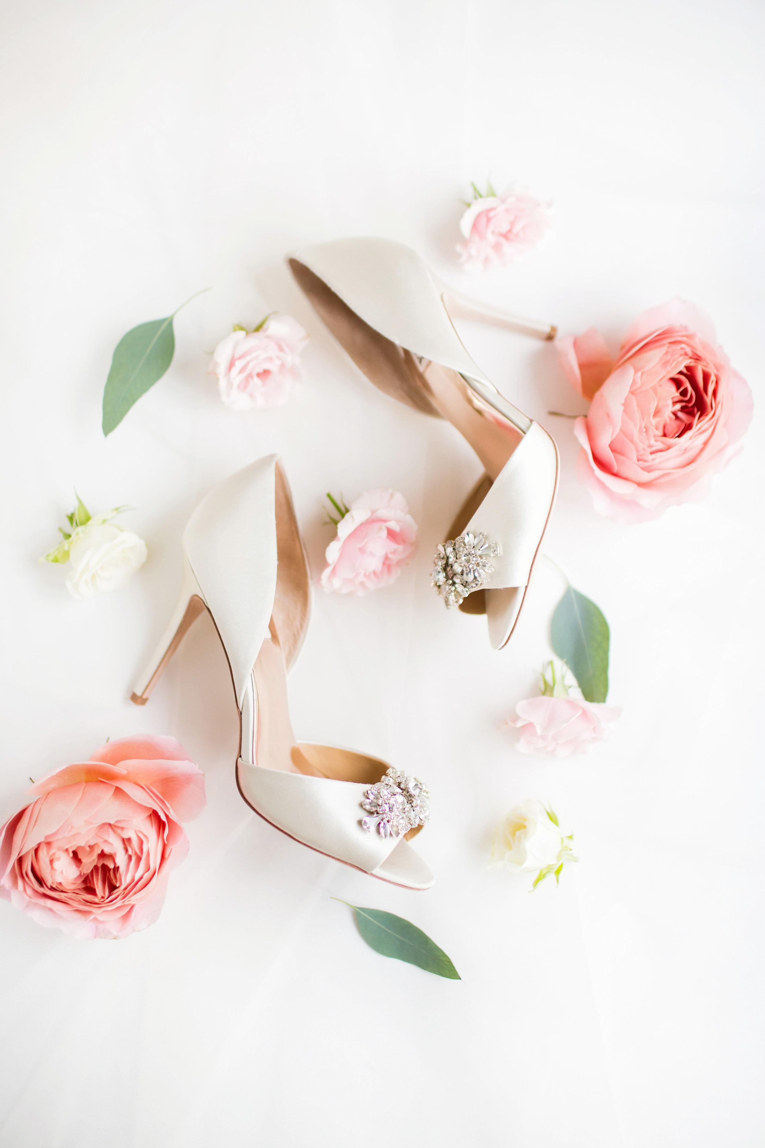 stylish-wedding-photography-windsor-toronto-ontario-wedding-photographer-winery-eryn-shea-photography-03.jpg