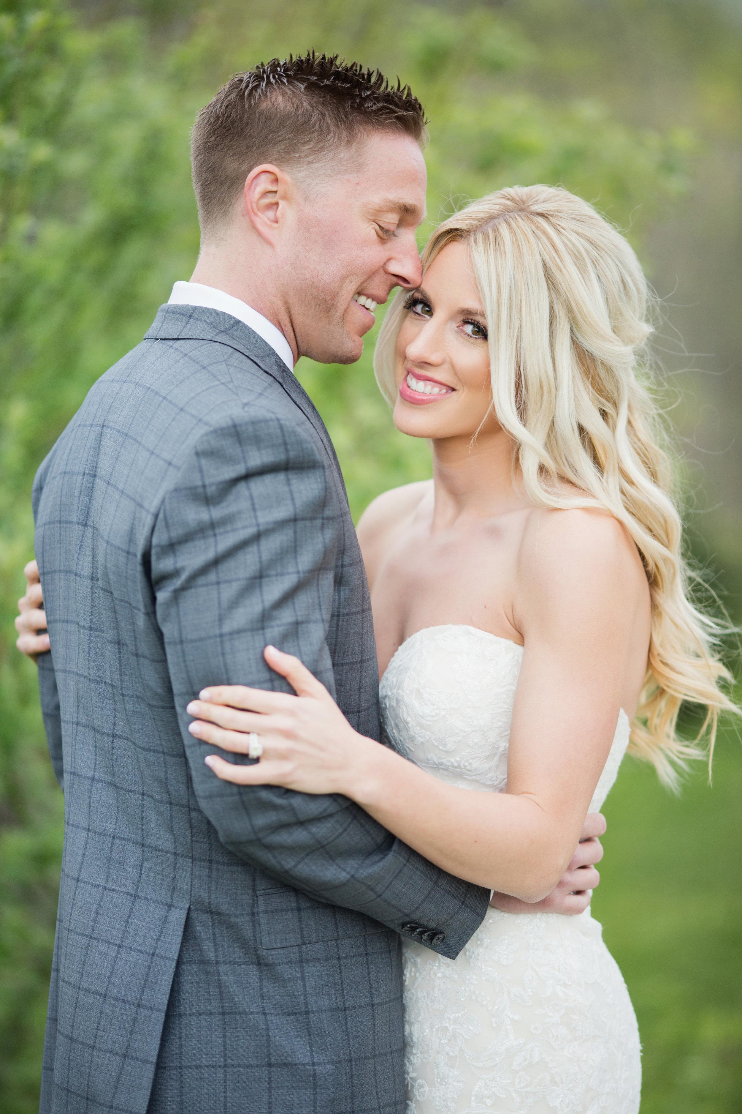 stylish-wedding-photography-windsor-toronto-ontario-wedding-photographer-winery-eryn-shea-photography-10.jpg