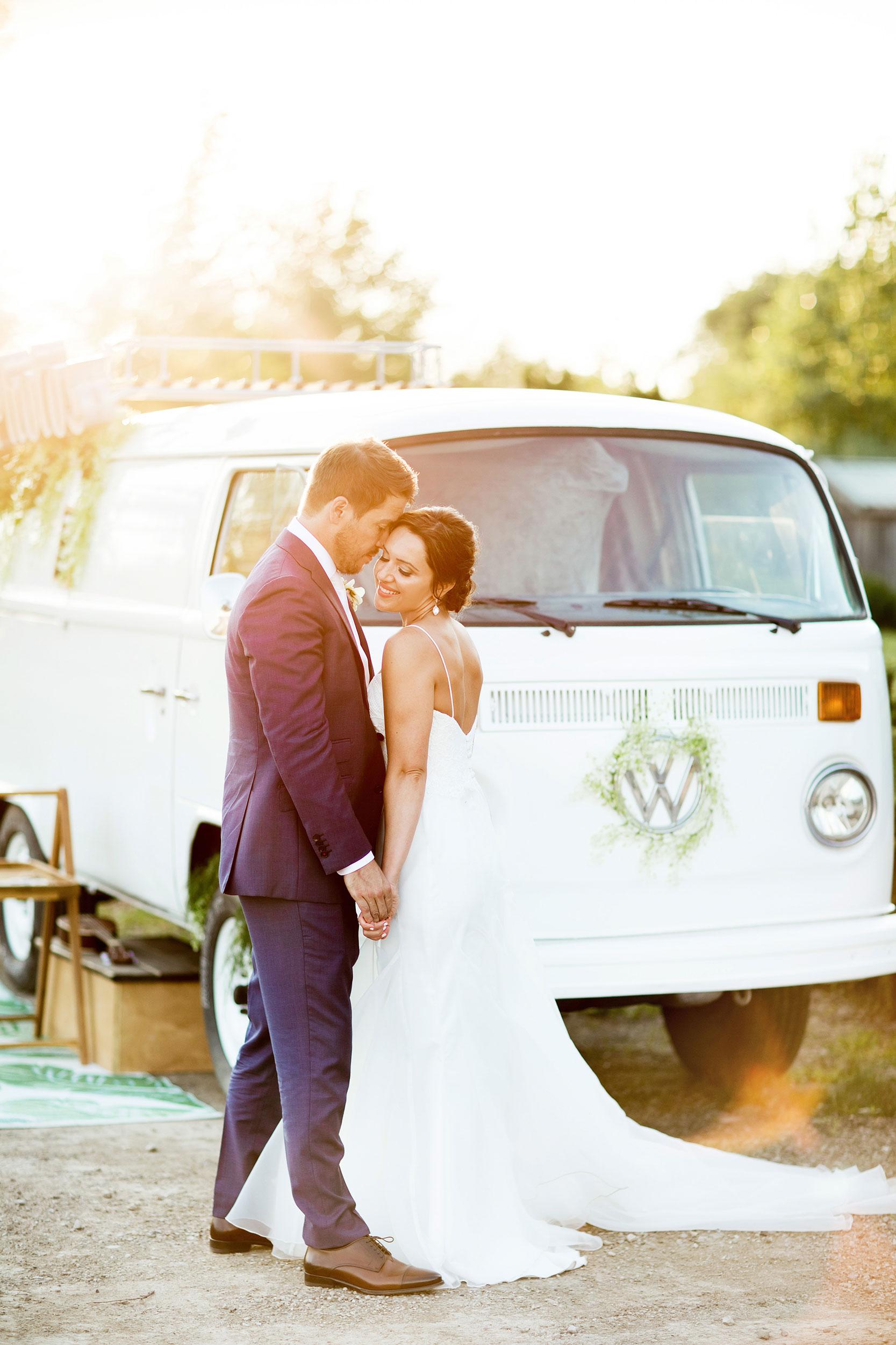 stylish-wedding-photography-windsor-toronto-ontario-wedding-photographer-sprucewood-winery-eryn-shea-photography-34.JPG