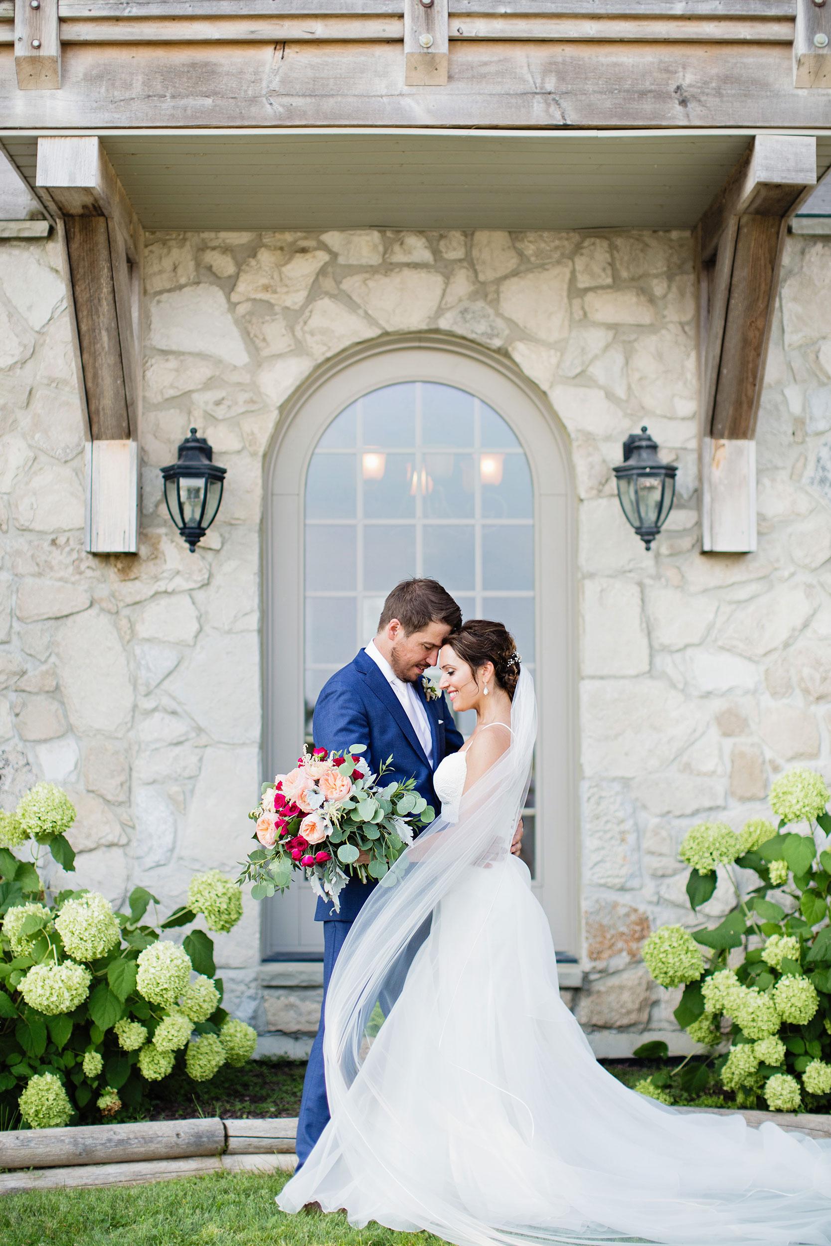 stylish-wedding-photography-windsor-toronto-ontario-wedding-photographer-sprucewood-winery-eryn-shea-photography-35.JPG
