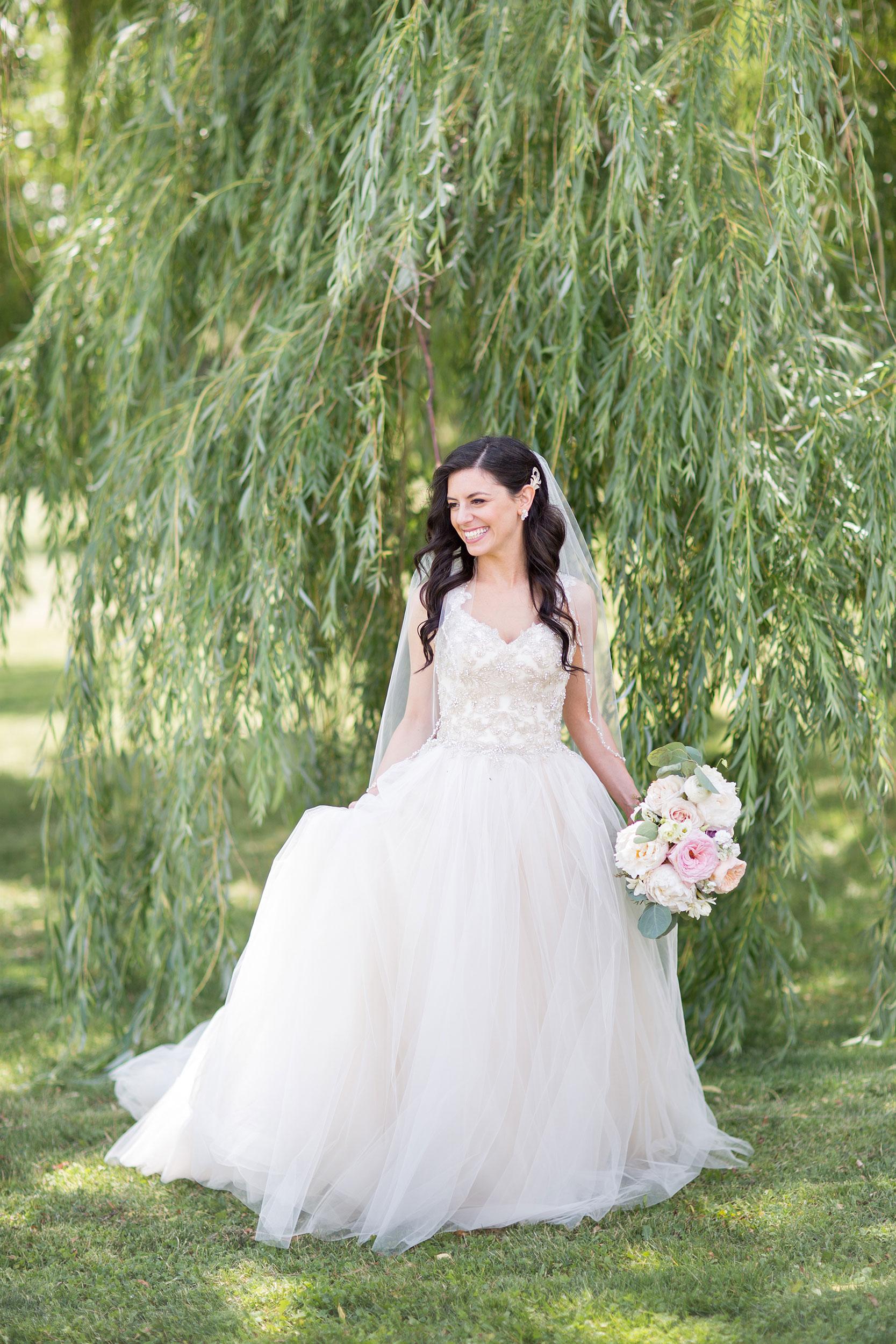 stylish-wedding-photography-windsor-toronto-ontario-wedding-photographer-sprucewood-winery-eryn-shea-photography-40.JPG