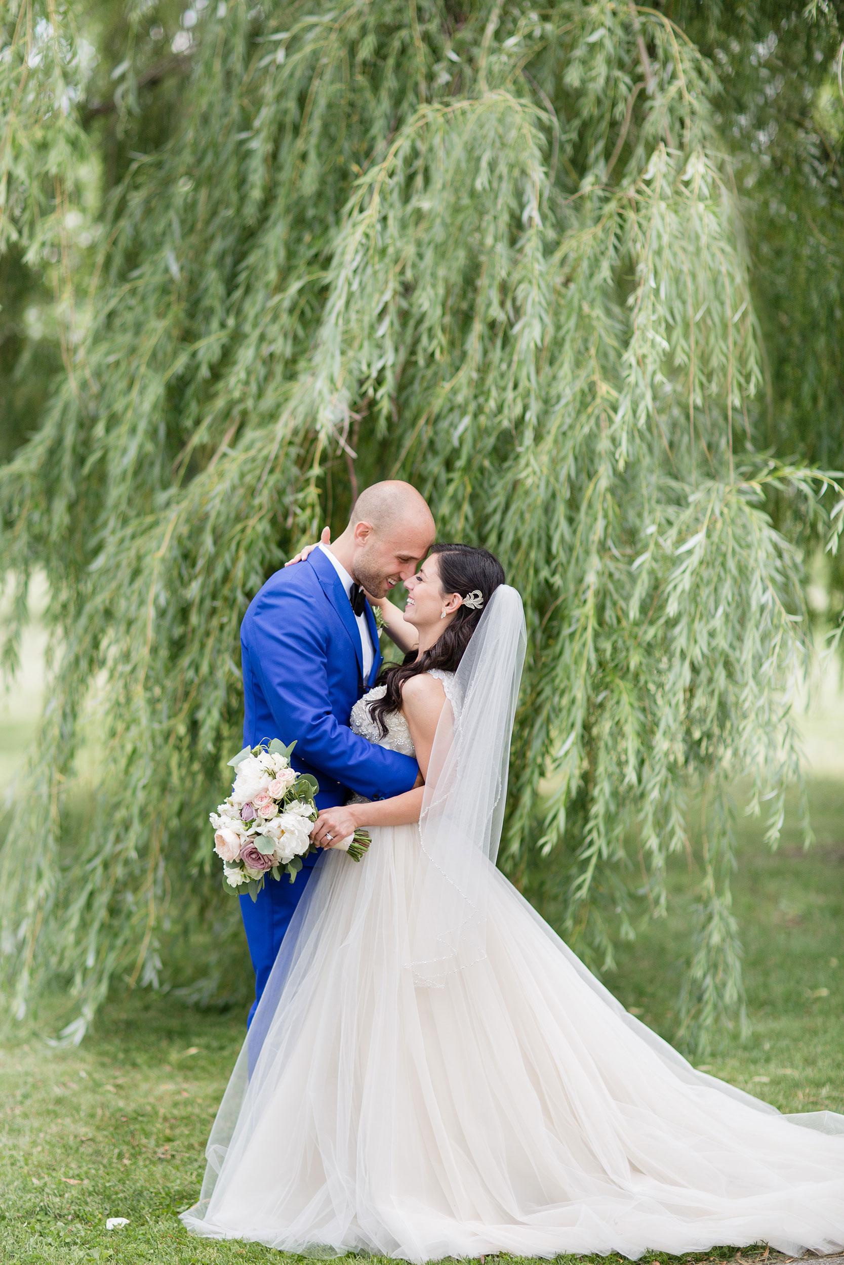 stylish-wedding-photography-windsor-toronto-ontario-wedding-photographer-sprucewood-winery-eryn-shea-photography-41.JPG