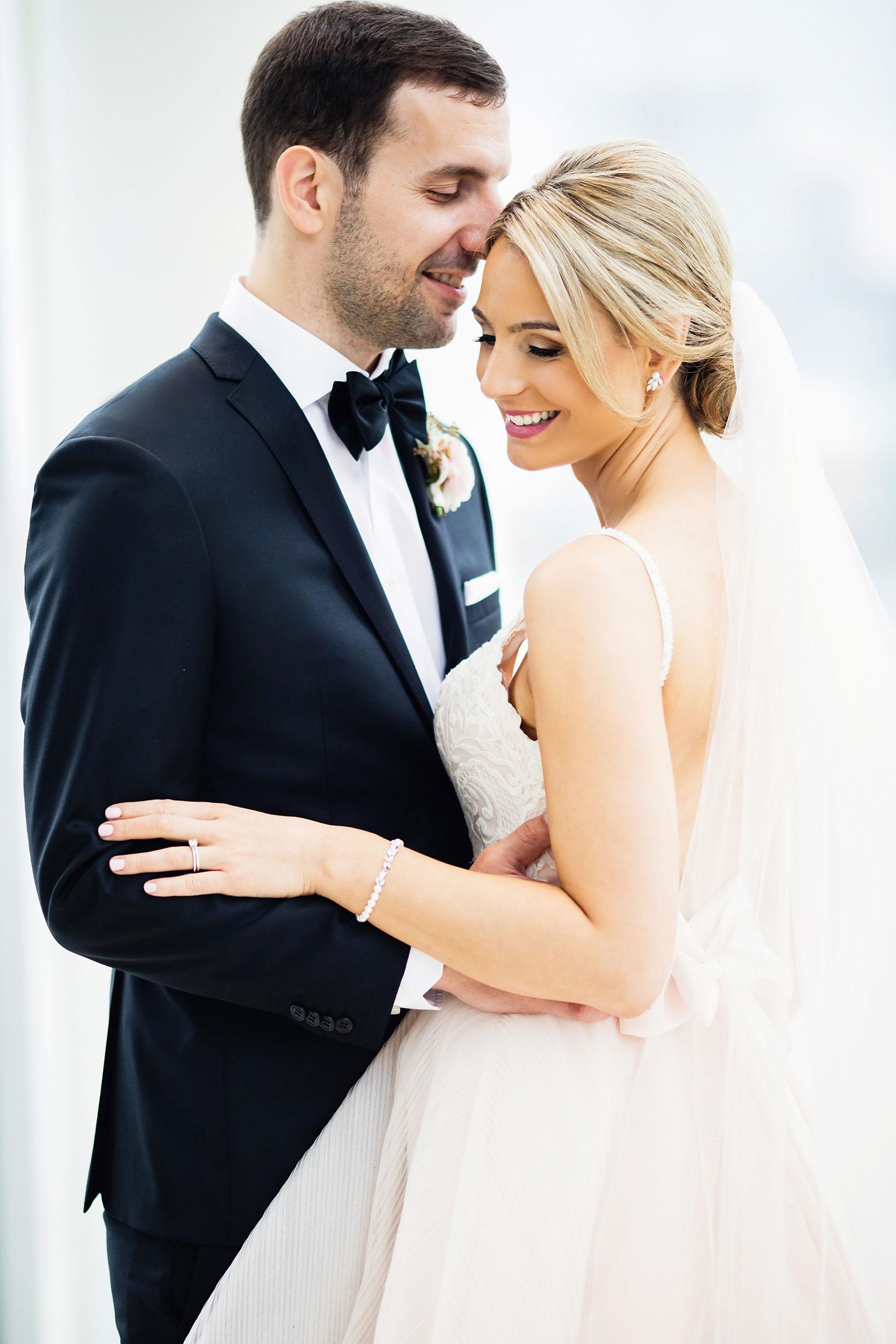 stylish-wedding-photography-windsor-toronto-ontario-wedding-photographer-winery-eryn-shea-photography-34.JPG