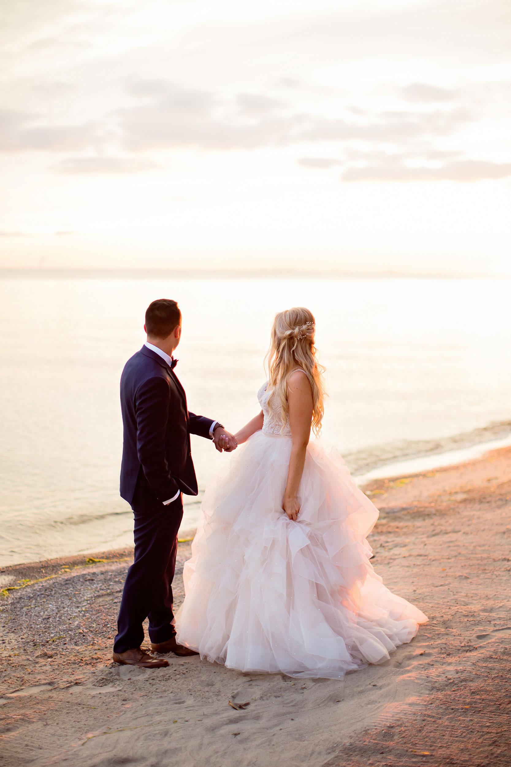 stylish-wedding-photography-windsor-toronto-ontario-wedding-photographer-winery-eryn-shea-photography-40.JPG
