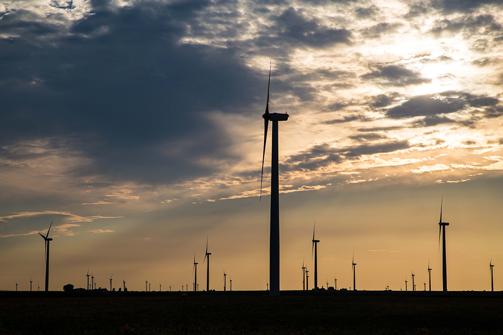 apex clean energy wind turbine project in hoopeston, il