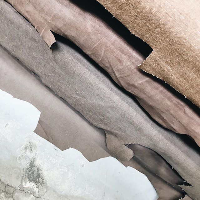 Our living room color inspiration in my favorite fabric store! #linenandconcrete
