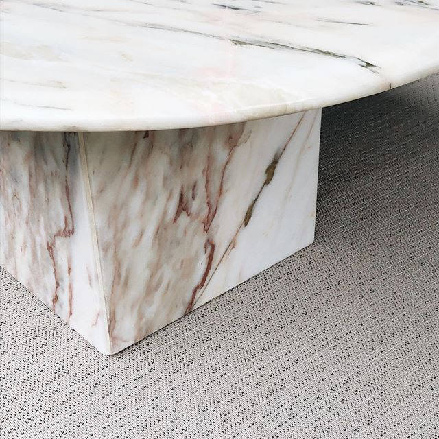 Our new, marble coffee table just arrived and is ready for summer on the patio ❤️ #kraushousela