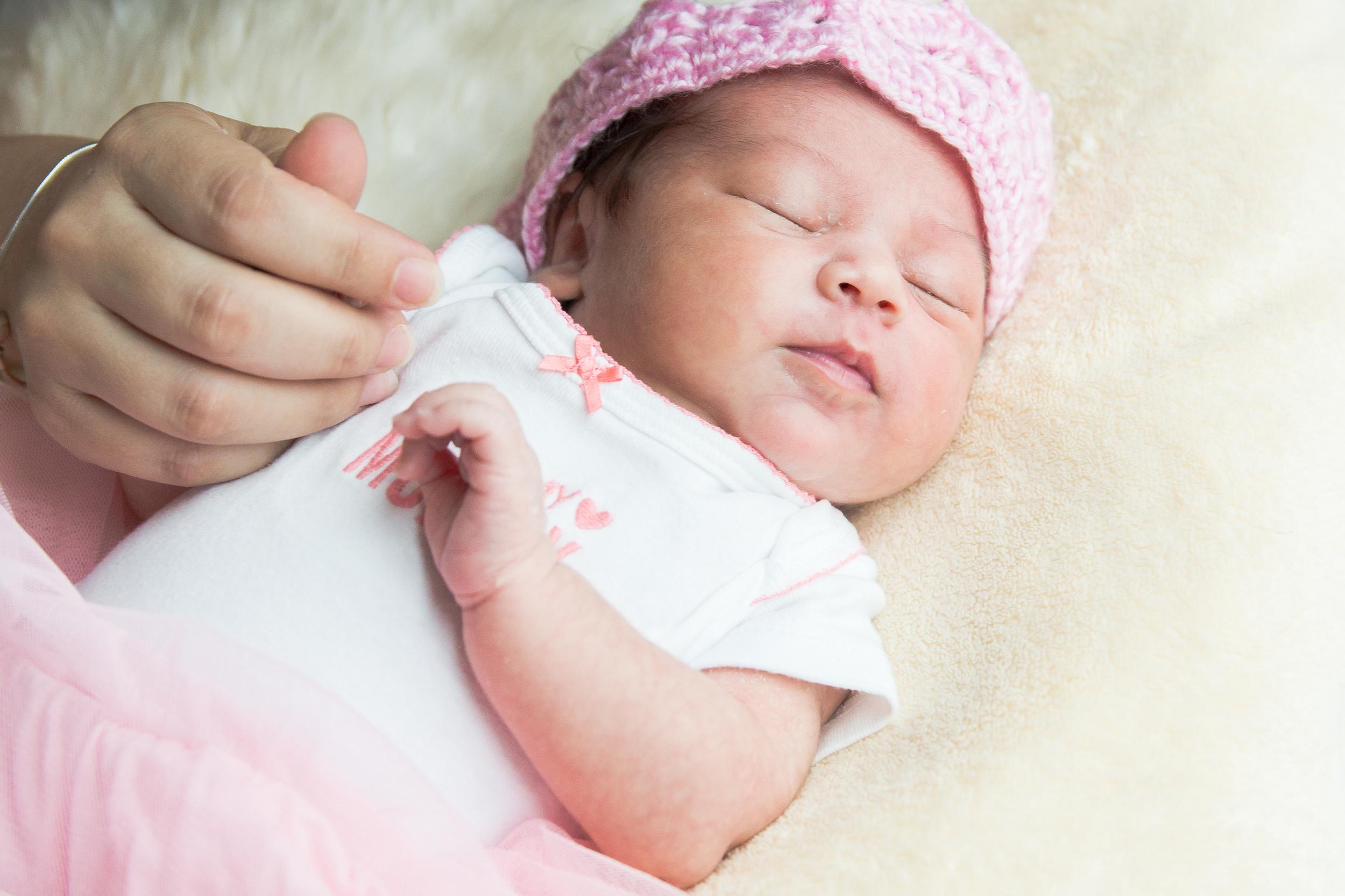 Karla New born-5.jpg