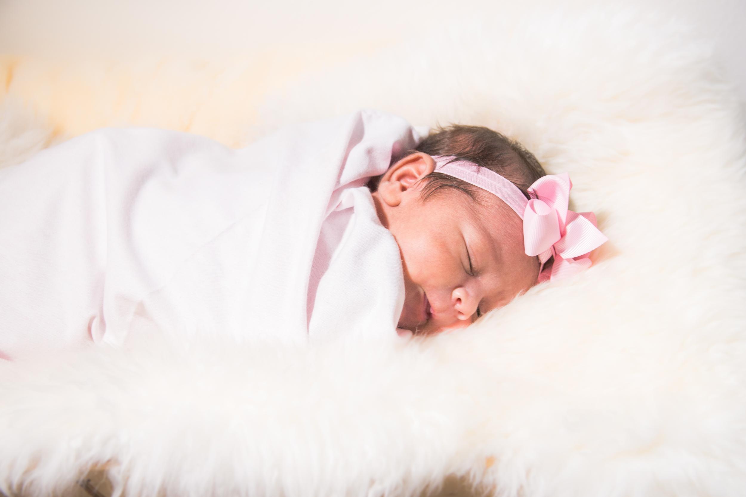 Karla New born-38.jpg