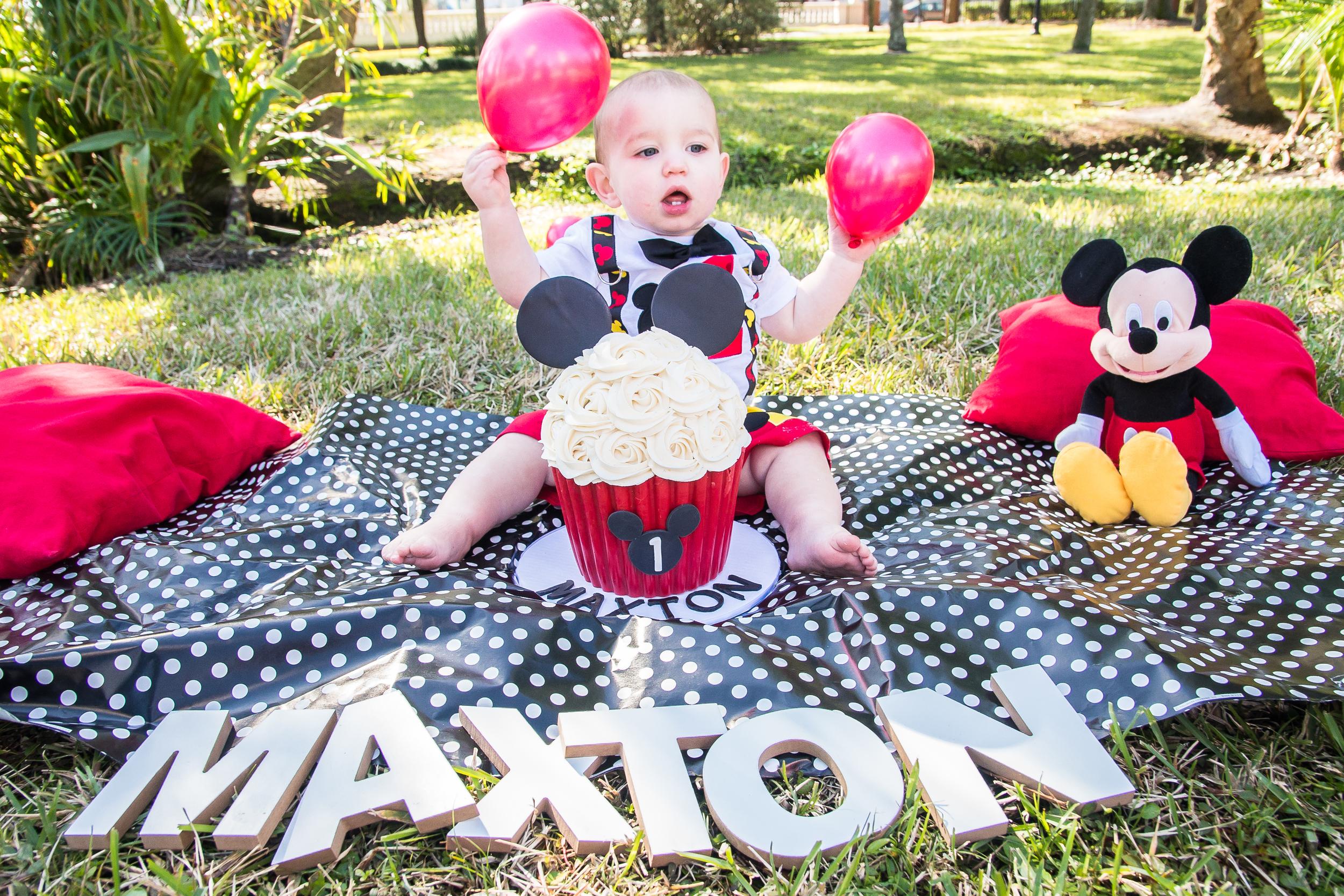 Maxton Smash cake-109.jpg