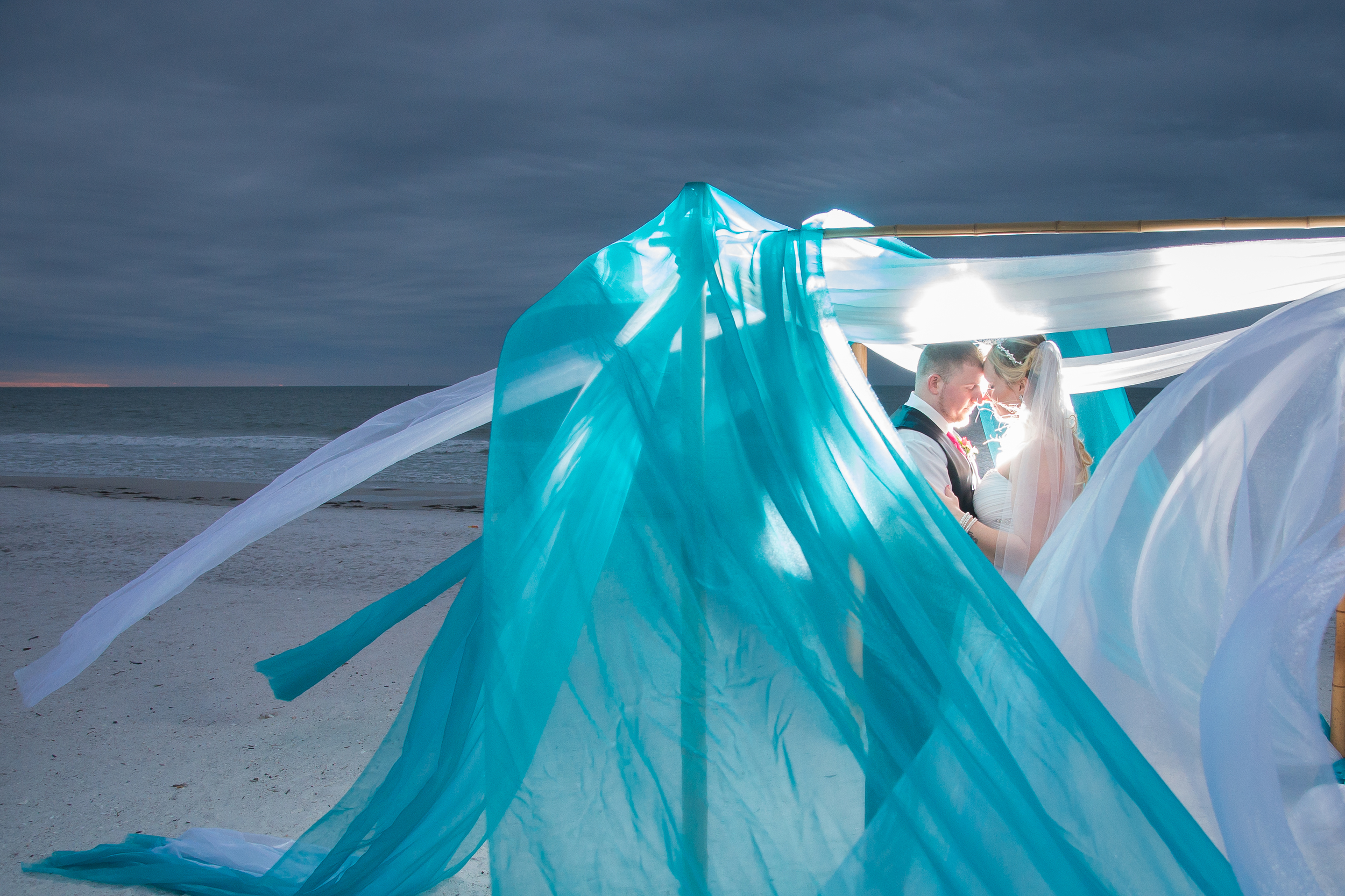 St. Petersburg Beach wedding | Tide the knot beach weddings