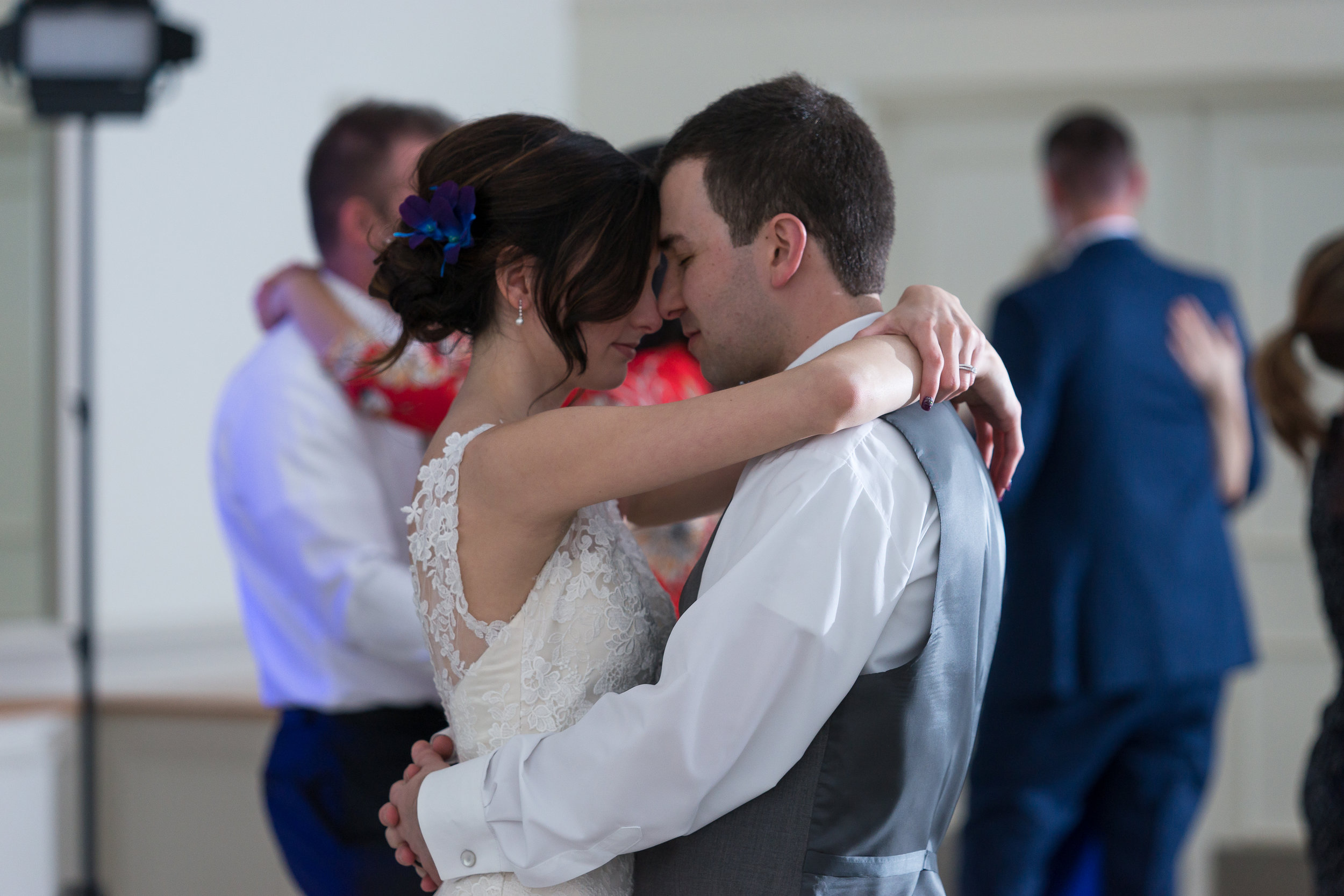 wedding dance pictures, wedding dancing, wedding parties, wedding pictures