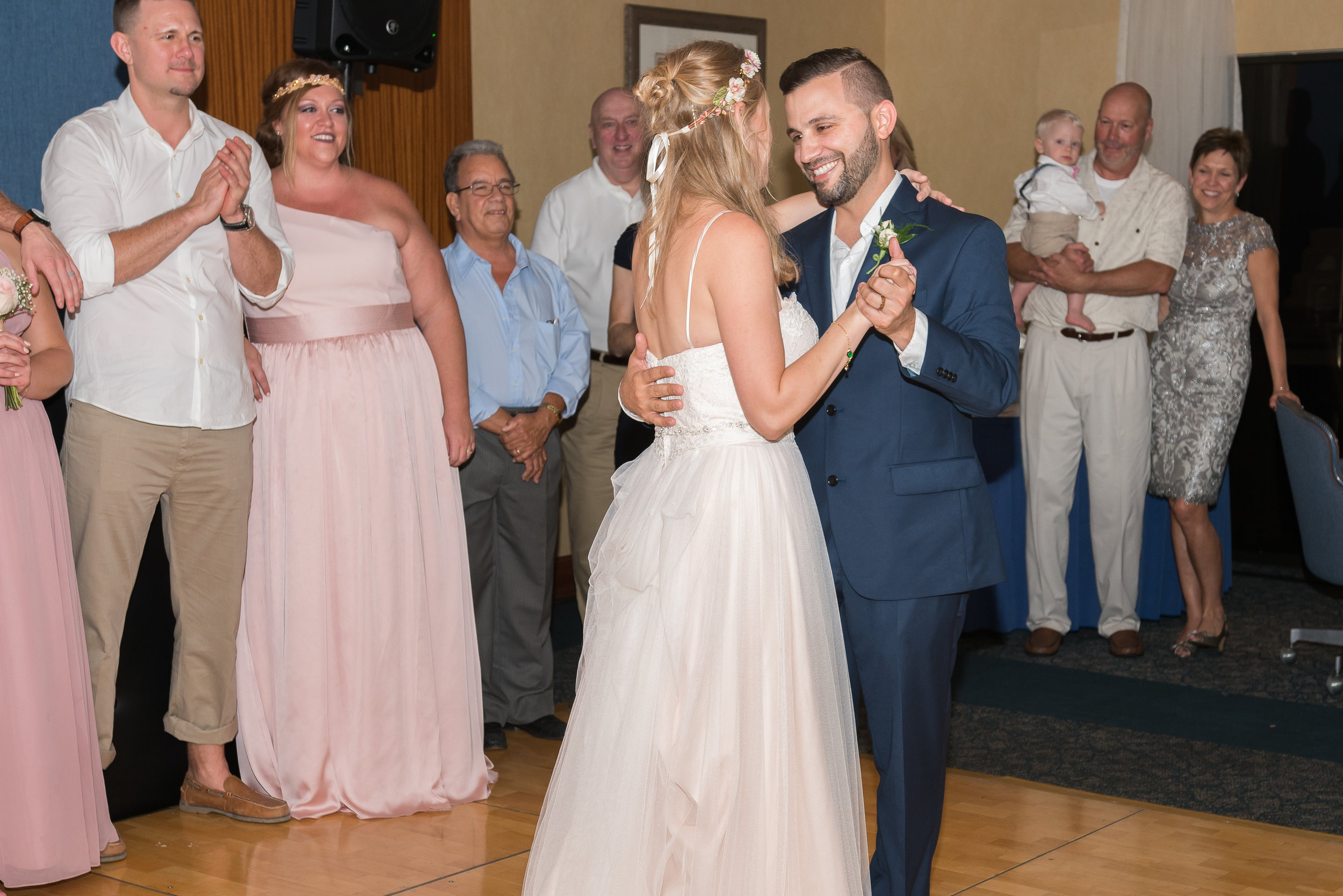 St.Petersburg wedding photographer, St.Pete wedding, Beach wedding, Beach wedding photographer, Tampa wedding photographer, Mir Salgado Photography, first dance