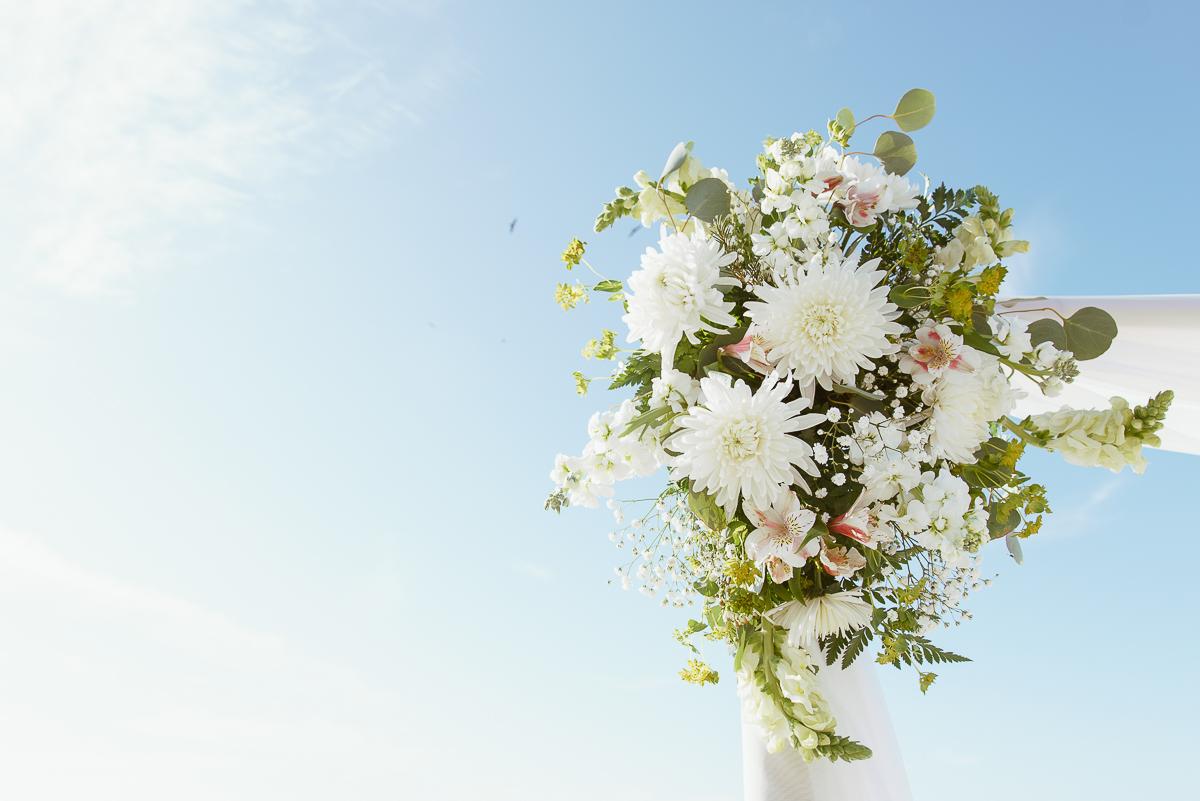 indian rocks-ceremony-flowers