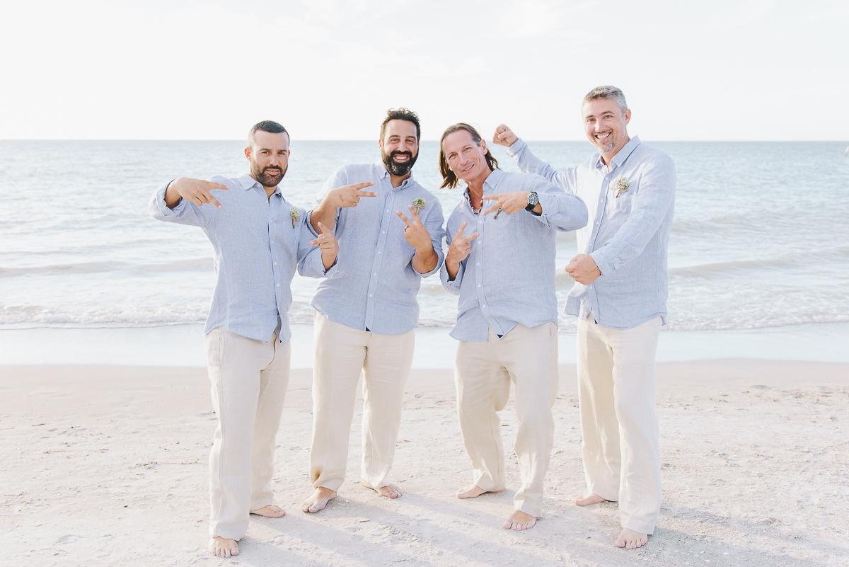 beach-wedding-groom-and-groomsmen-photo