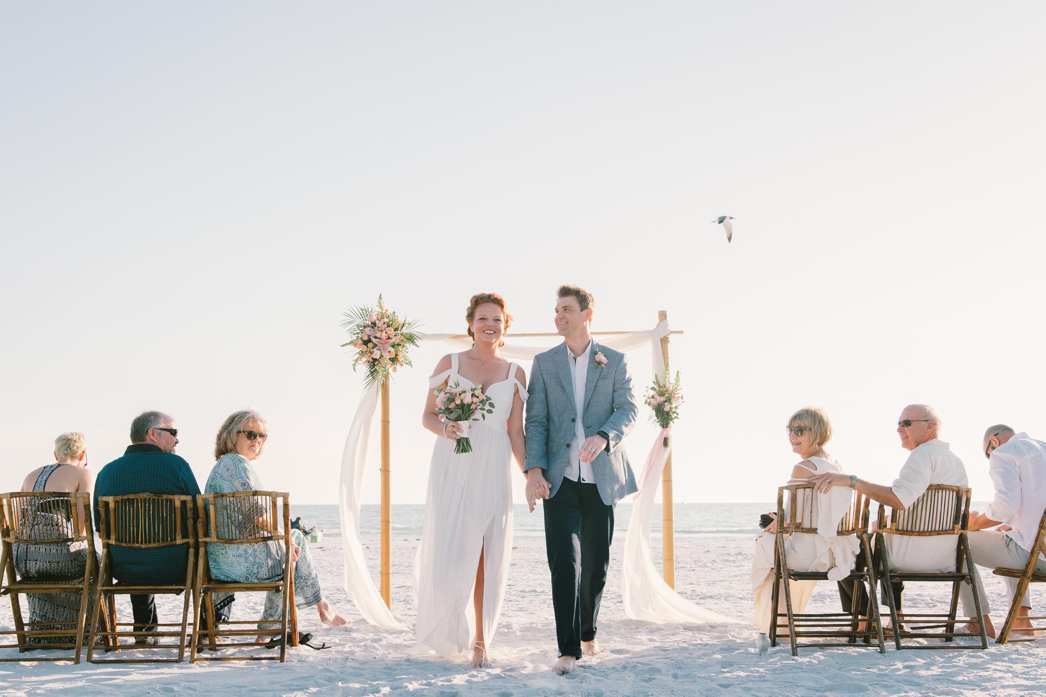 Tide-the-knot-beach-weddings-ceremony, beach-wedding-in-Florida, Tampa-wedding-photographer