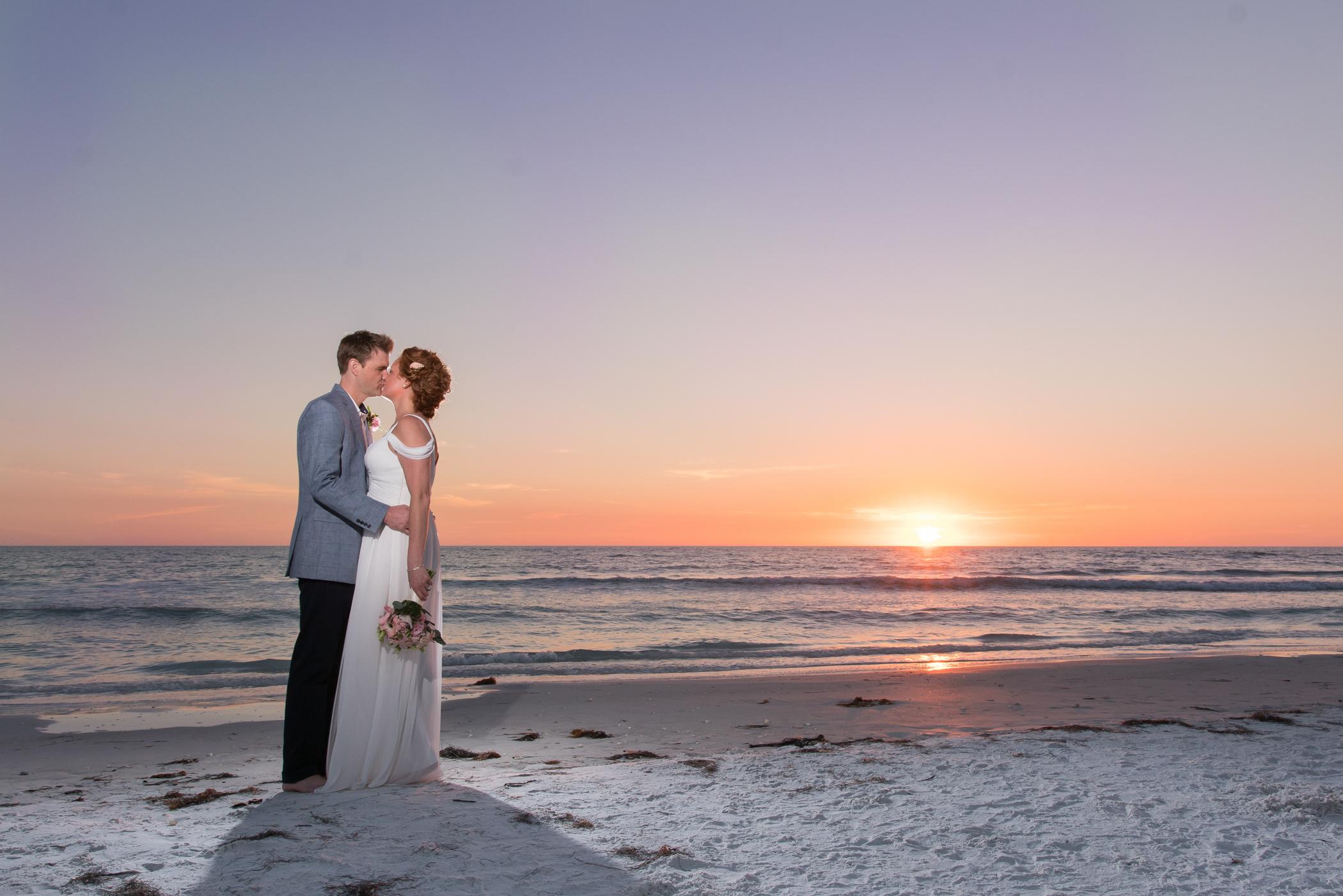 Sarasota-beach-wedding-photo, Lido-key-sunset-photo