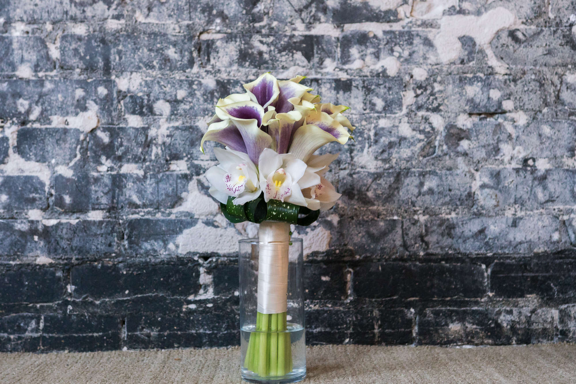 Wedding-bouquet-photo, Oxford-Exchange-wedding-photography