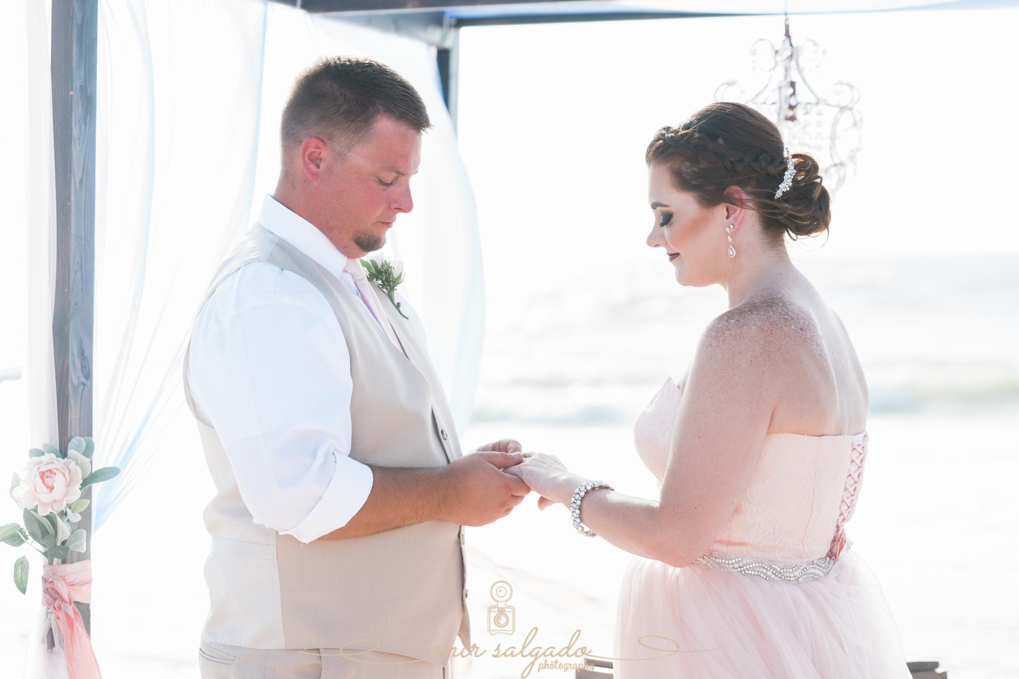 St.Pete-beach-wedding-ceremony, St.Pete-wedding-photographer