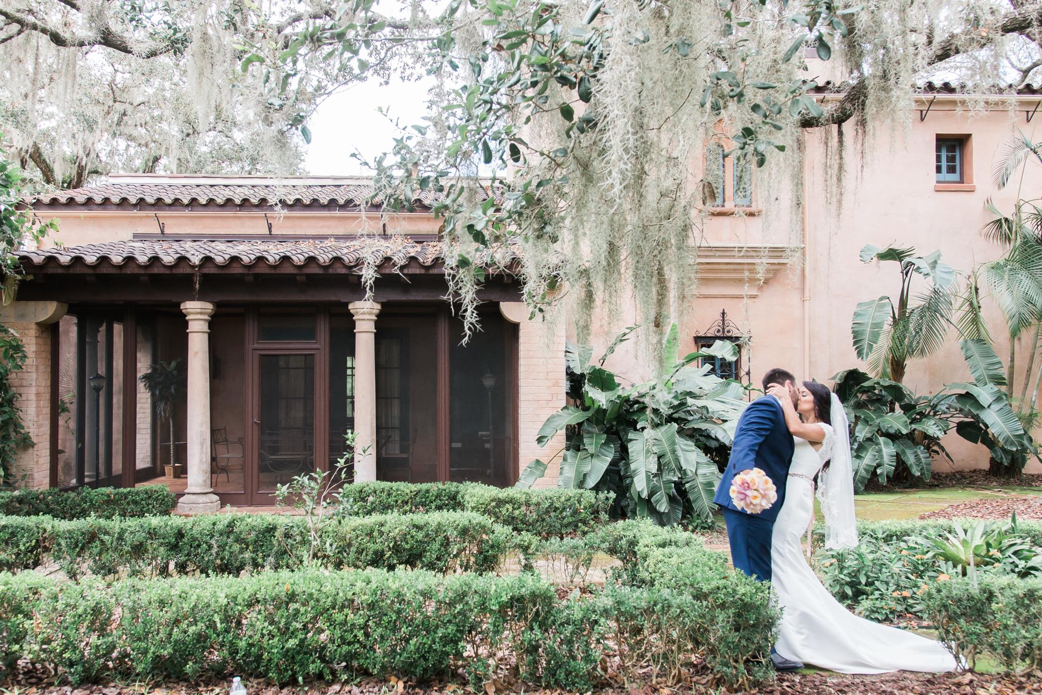 Bok-tower-gardens-wedding-photo, Tampa-wedding-photography
