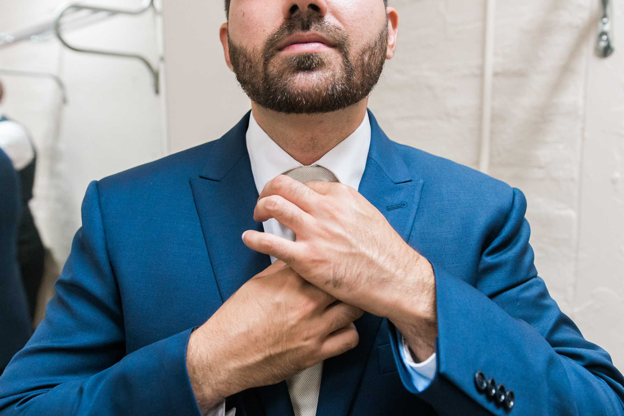 groom-getting-ready-photo, Bok-tower-gardens-photography