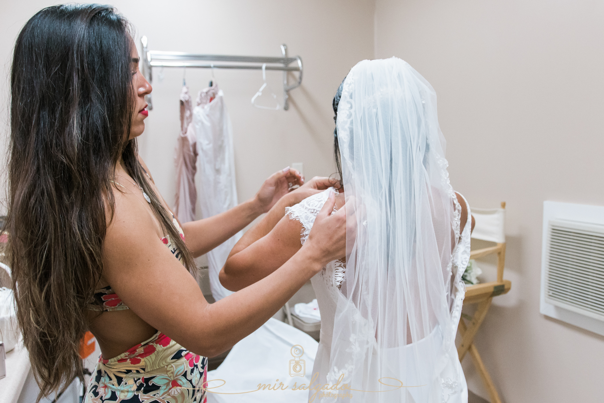 Bok-tower-gardens-wedding, getting-ready-bride-photo