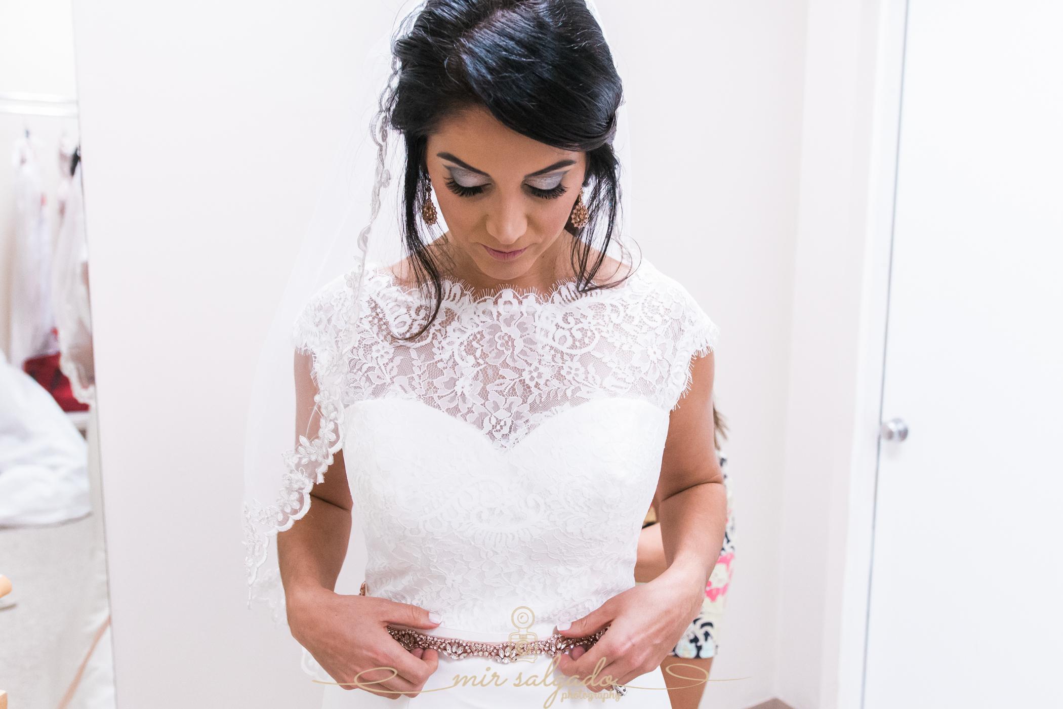 bride-getting-ready-photo, Bok-tower-wedding-photo, Tampa-wedding-photographer