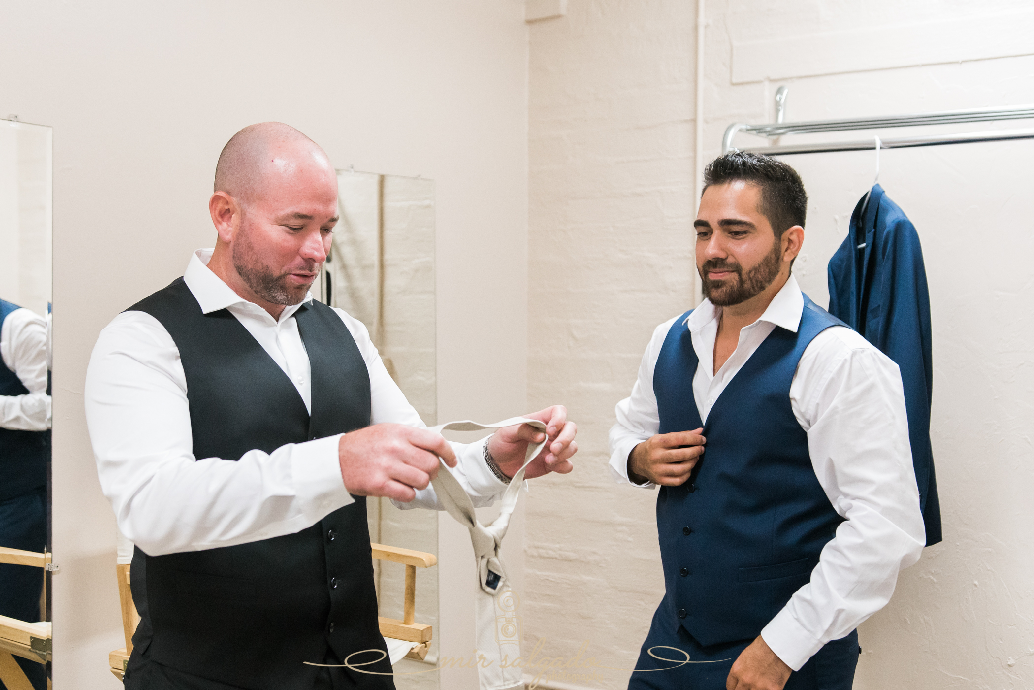 groom-and-best-man-getting-ready-photo, Tampa-wedding-photographer