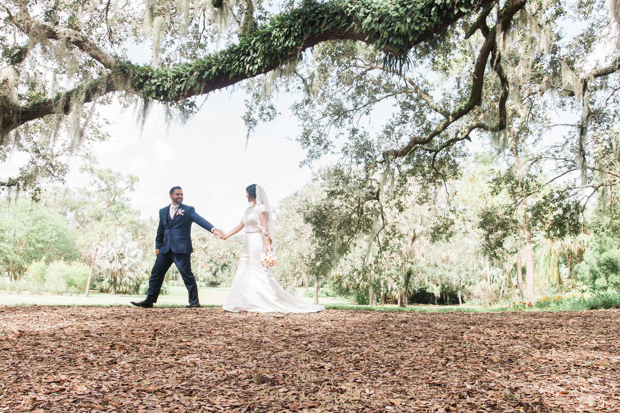 Bok-tower-gardens-wedding-photo, bride-and-groom-portrait, Beautiful-garden-wedding-photo